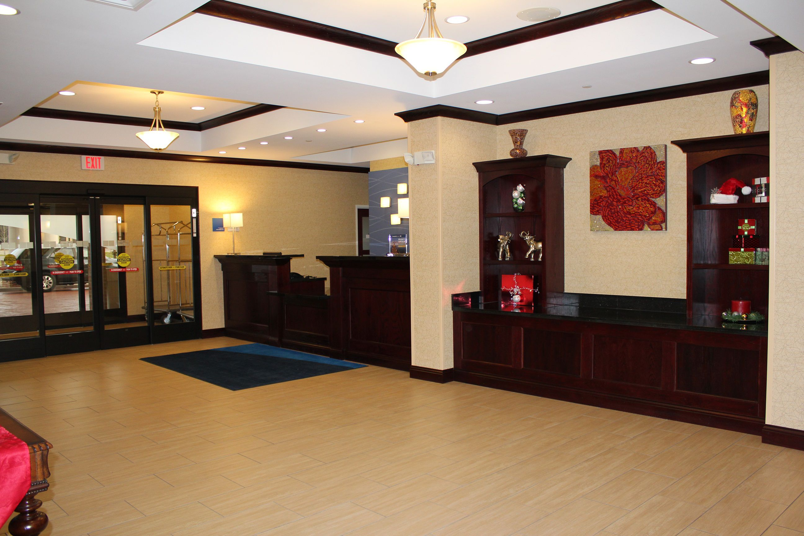 Holiday Inn Express & Suites Niles image 5