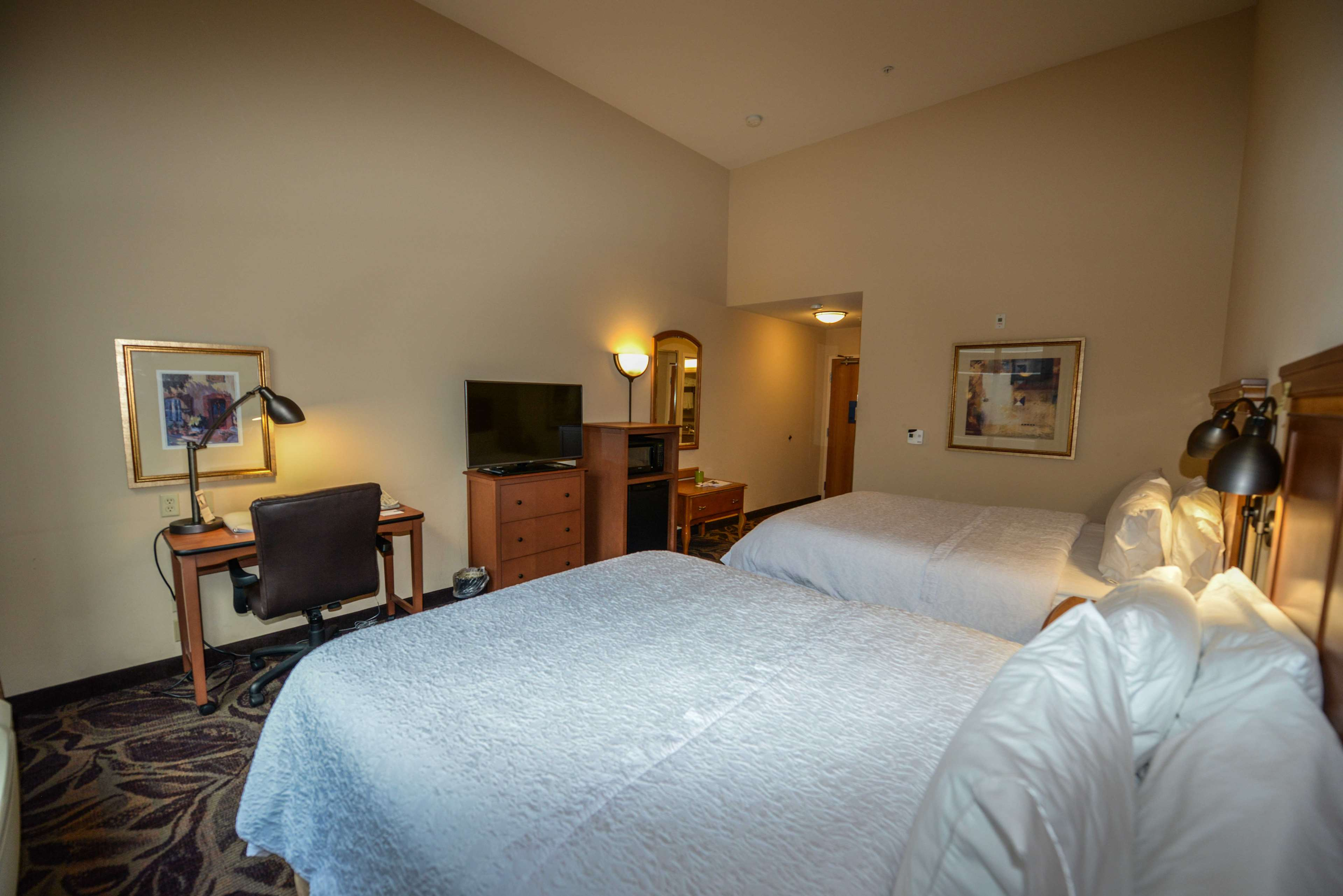 Hampton Inn & Suites Bremerton image 35