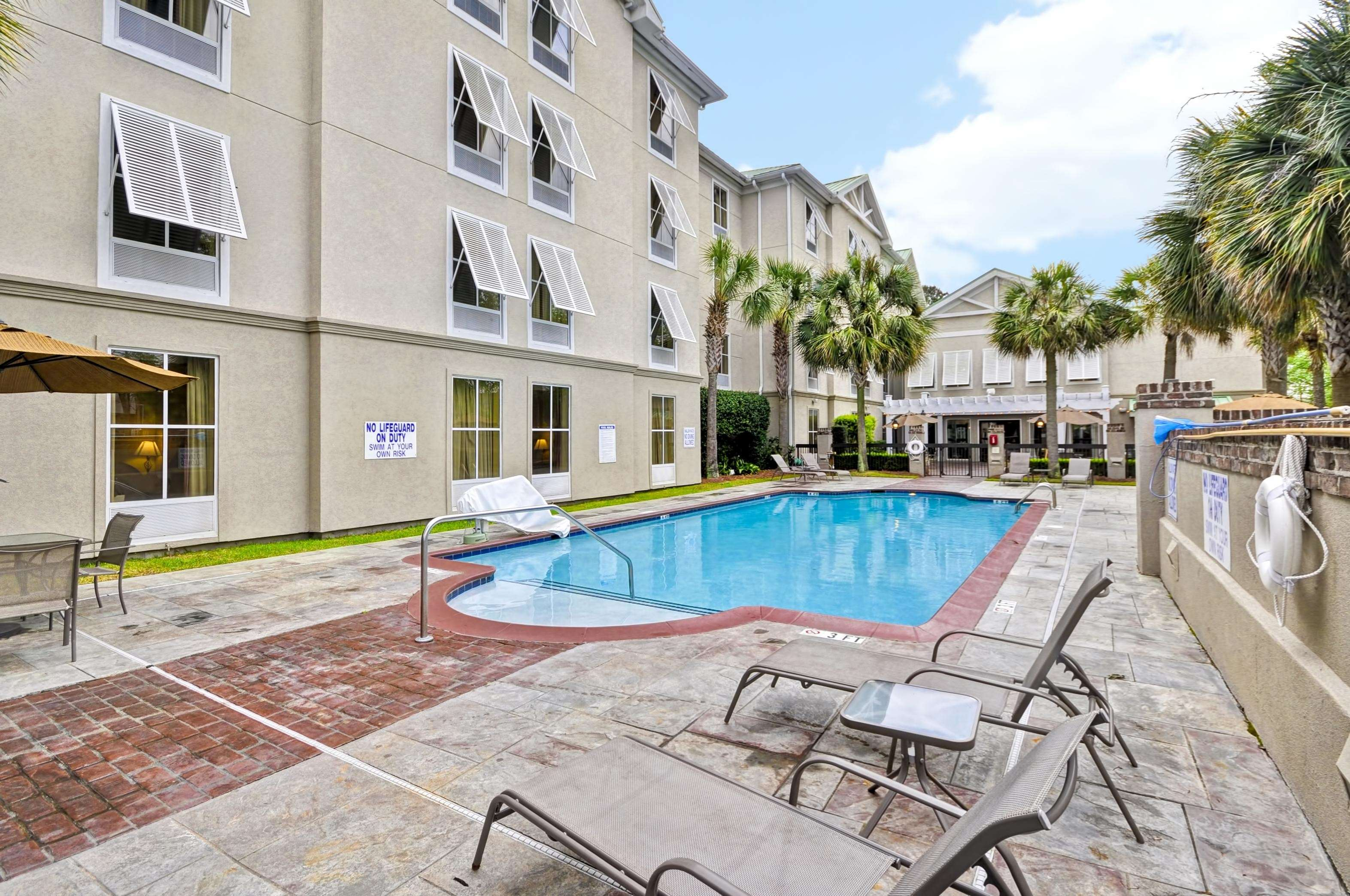Hampton Inn & Suites Charleston/West Ashley image 8