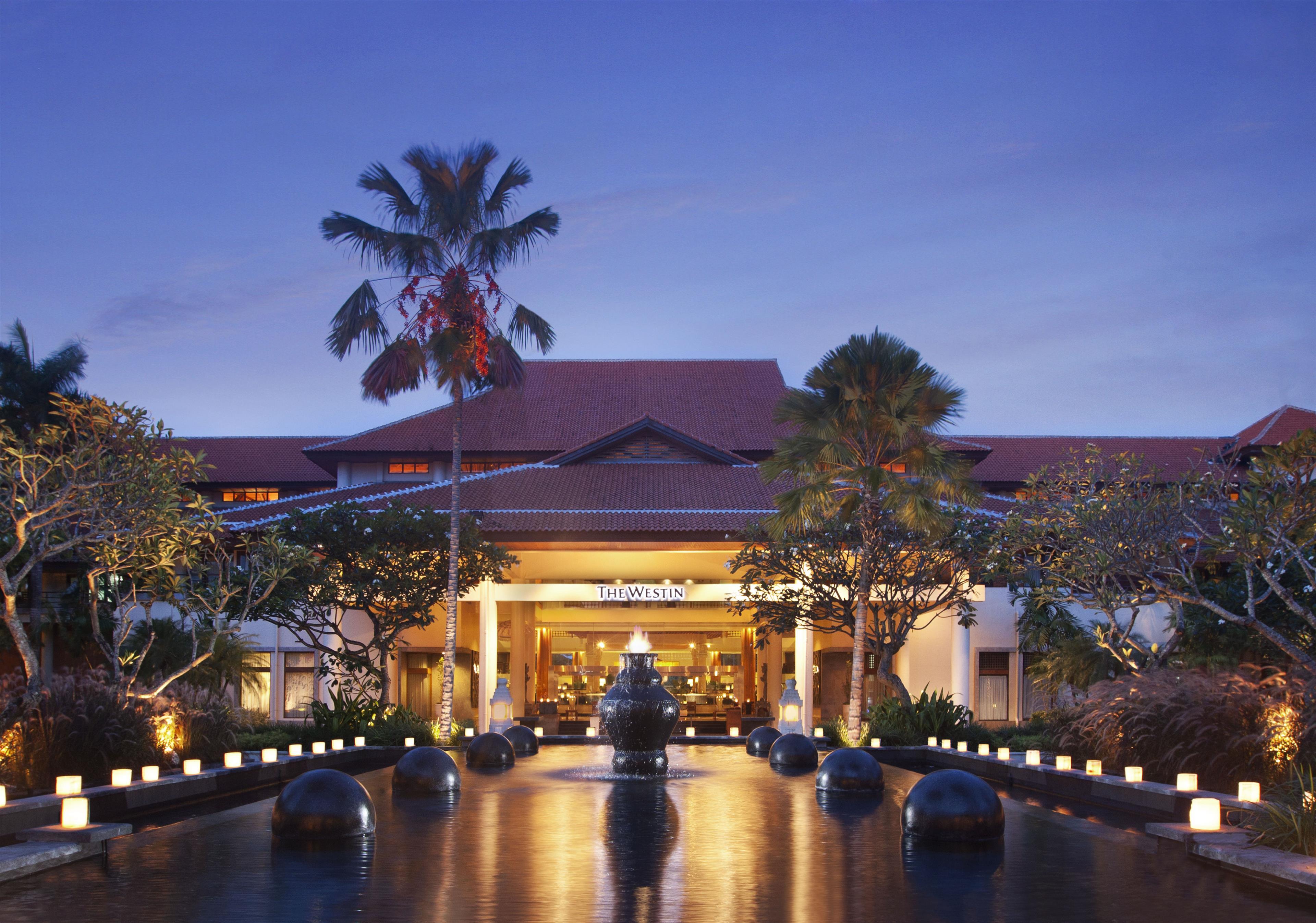 Nusa Dua Beach Hotel Spa Awarta