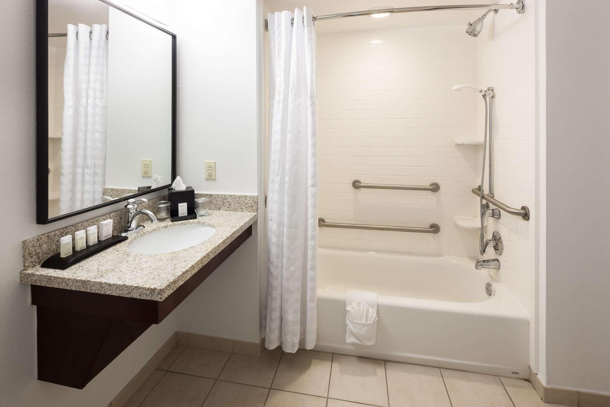 Embassy Suites by Hilton Tampa Brandon image 12