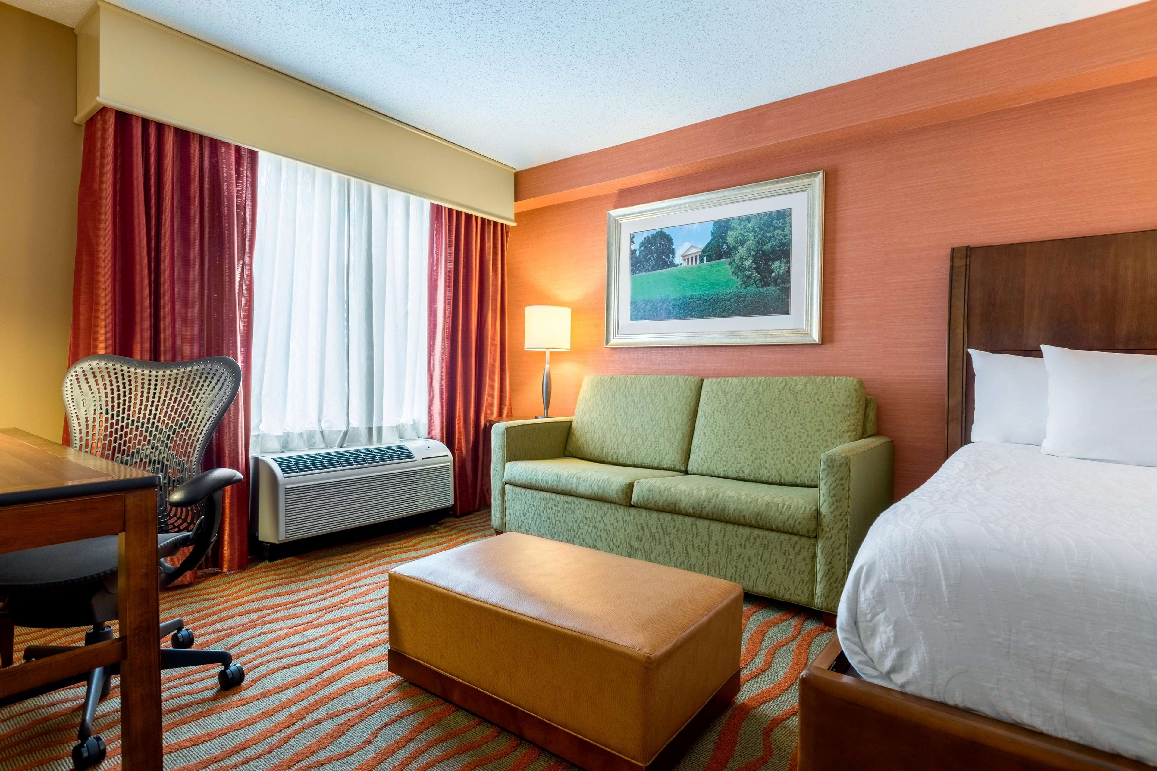 Hilton Garden Inn Arlington/Courthouse Plaza image 19
