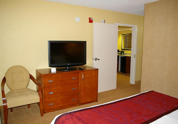 Courtyard by Marriott Danville image 5