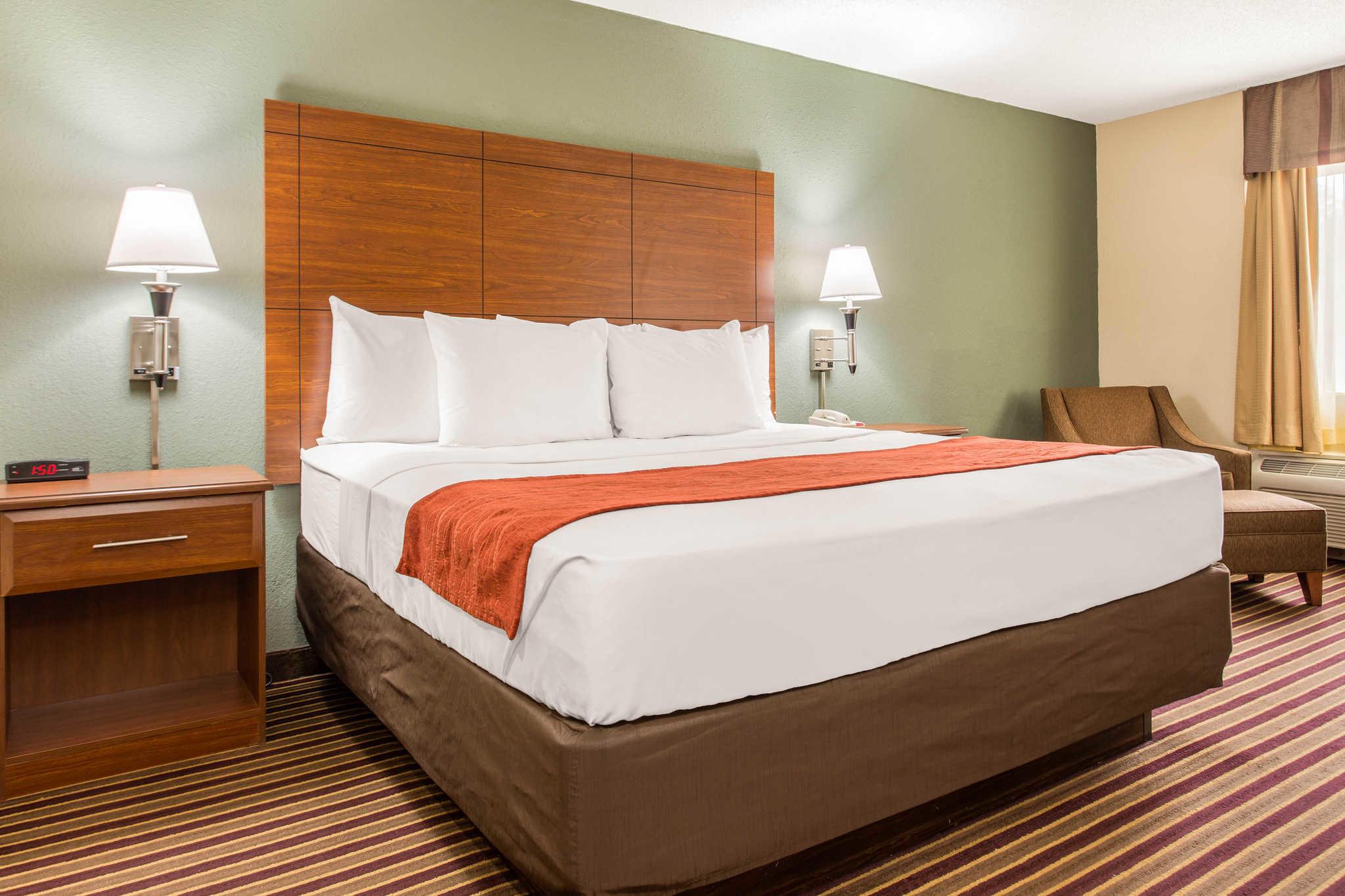 Comfort Inn & Suites Crabtree Valley image 15