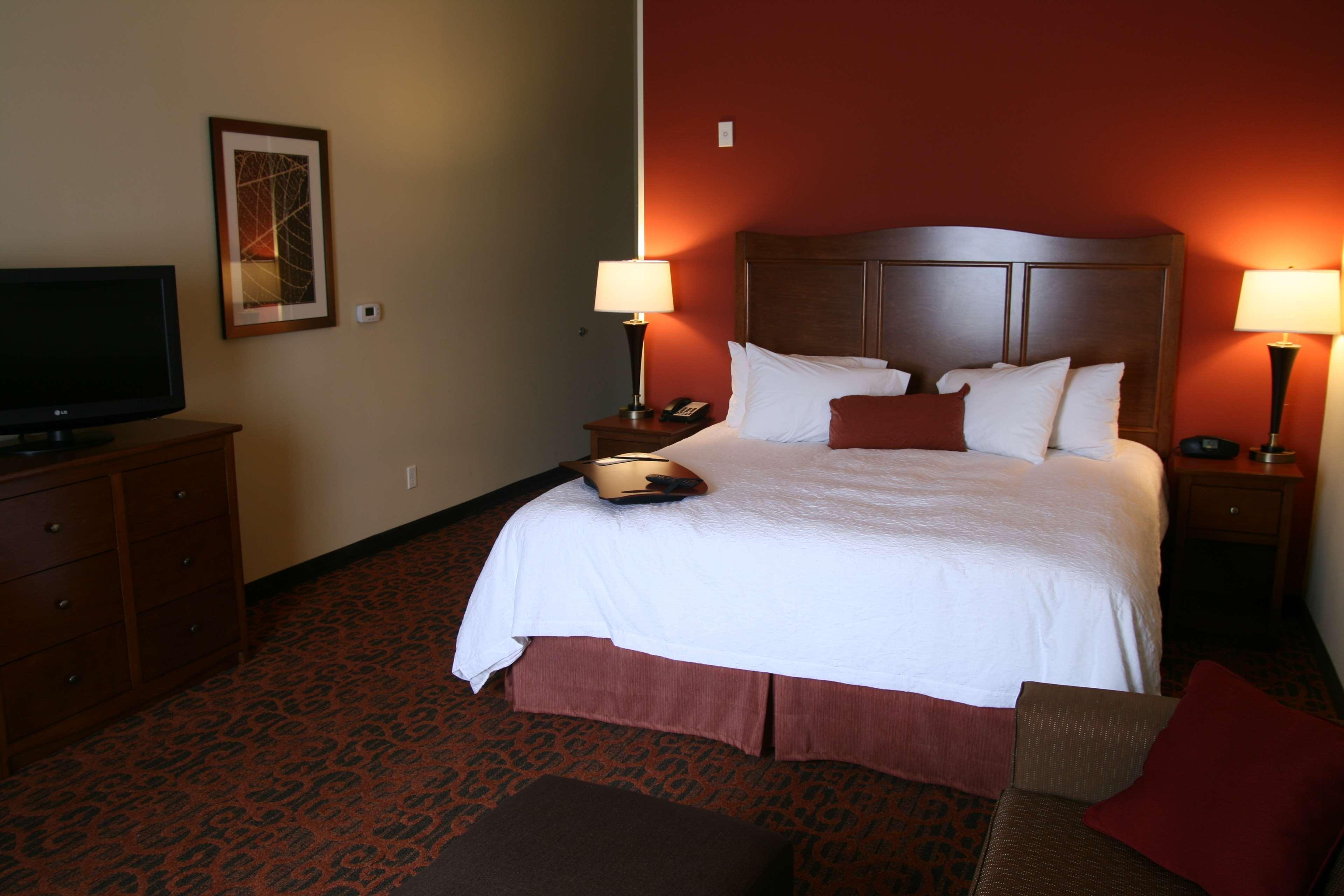 Hampton Inn & Suites Bastrop image 9