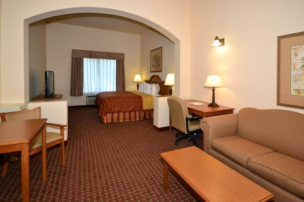 Best Western Casa Villa Suites image 11