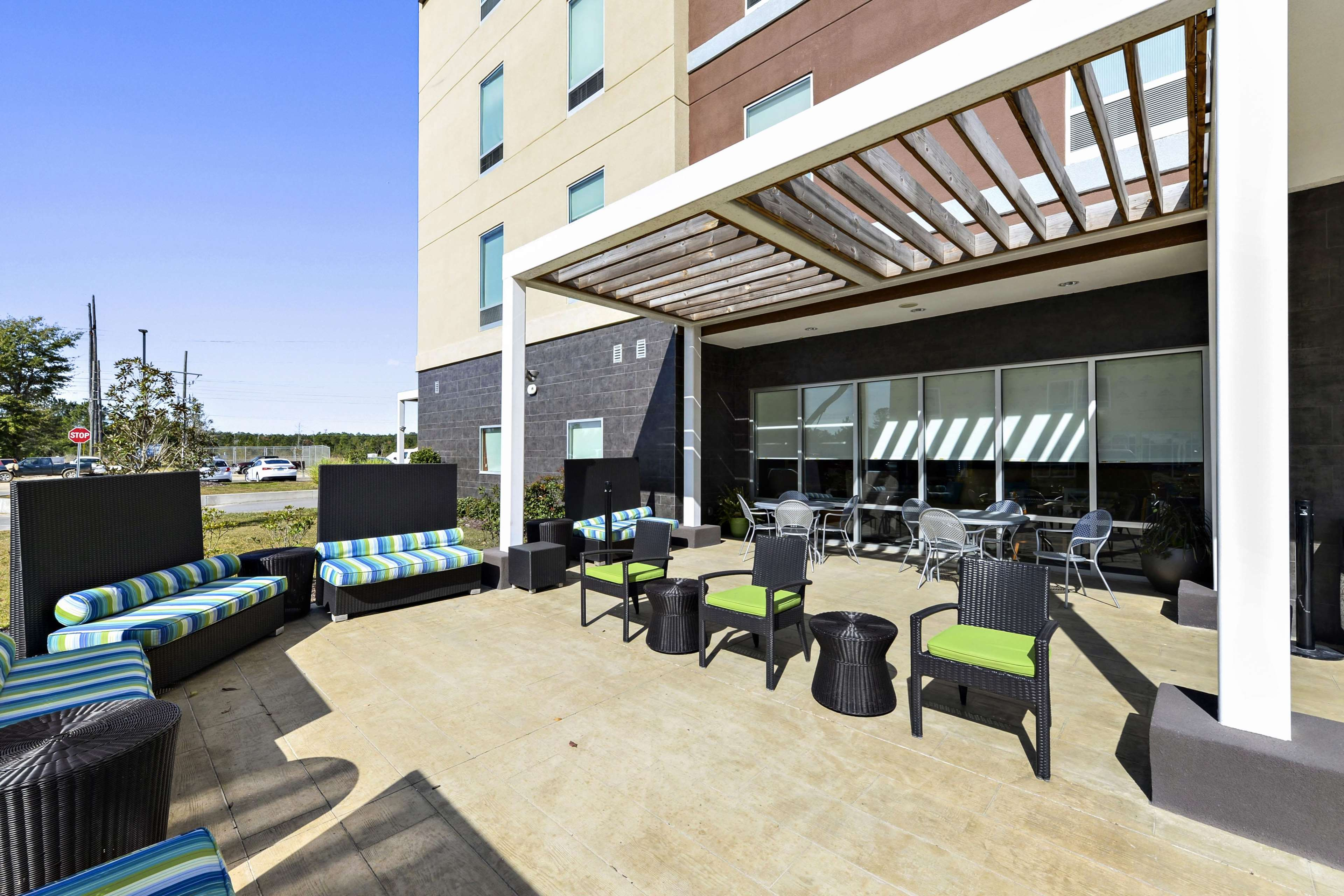 Home2 Suites by Hilton Gulfport I-10 image 2
