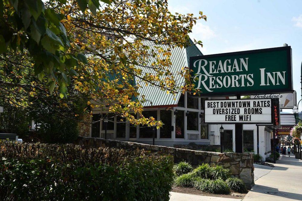 Reagan Inn image 0