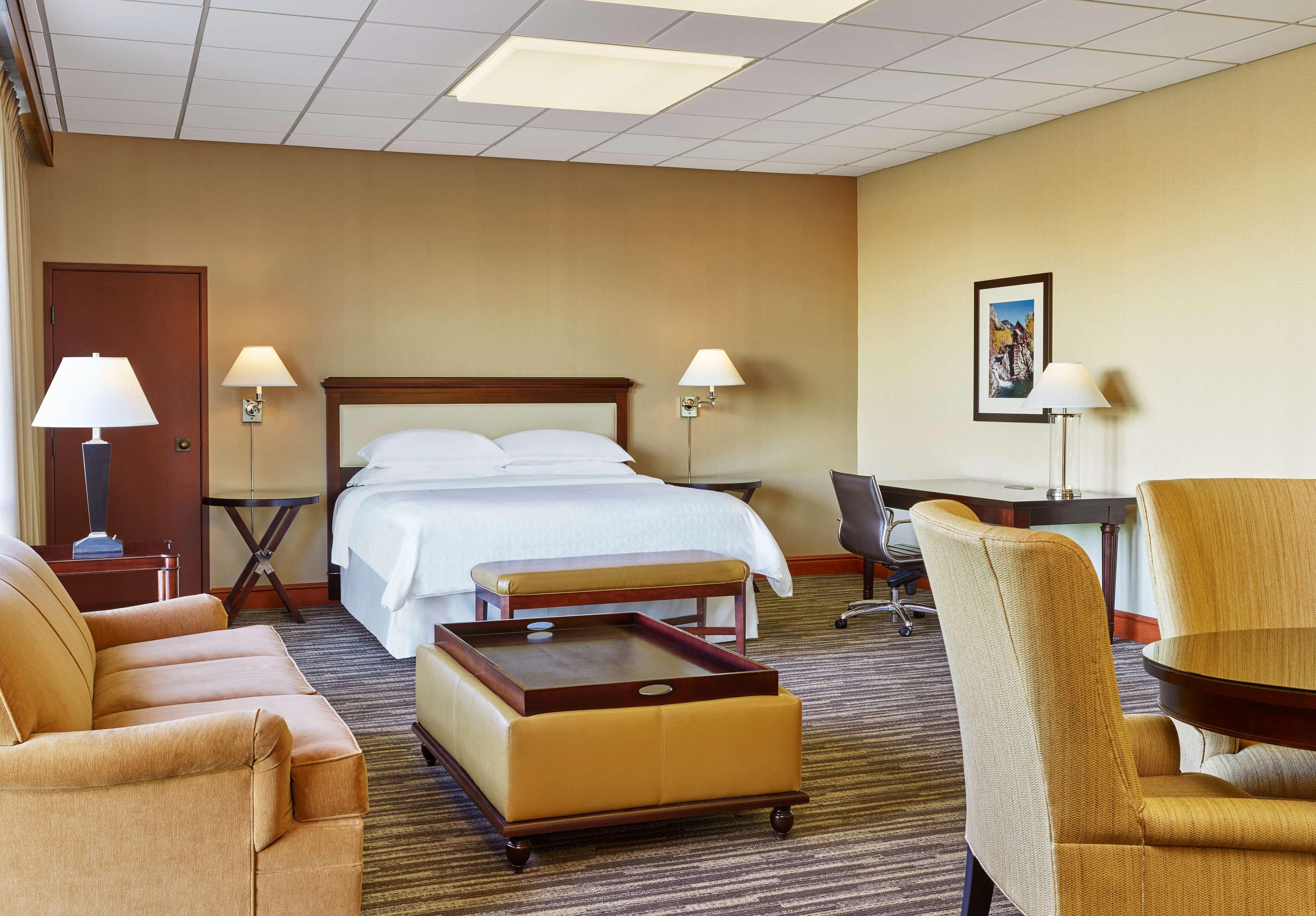 Sheraton Denver West Hotel image 17
