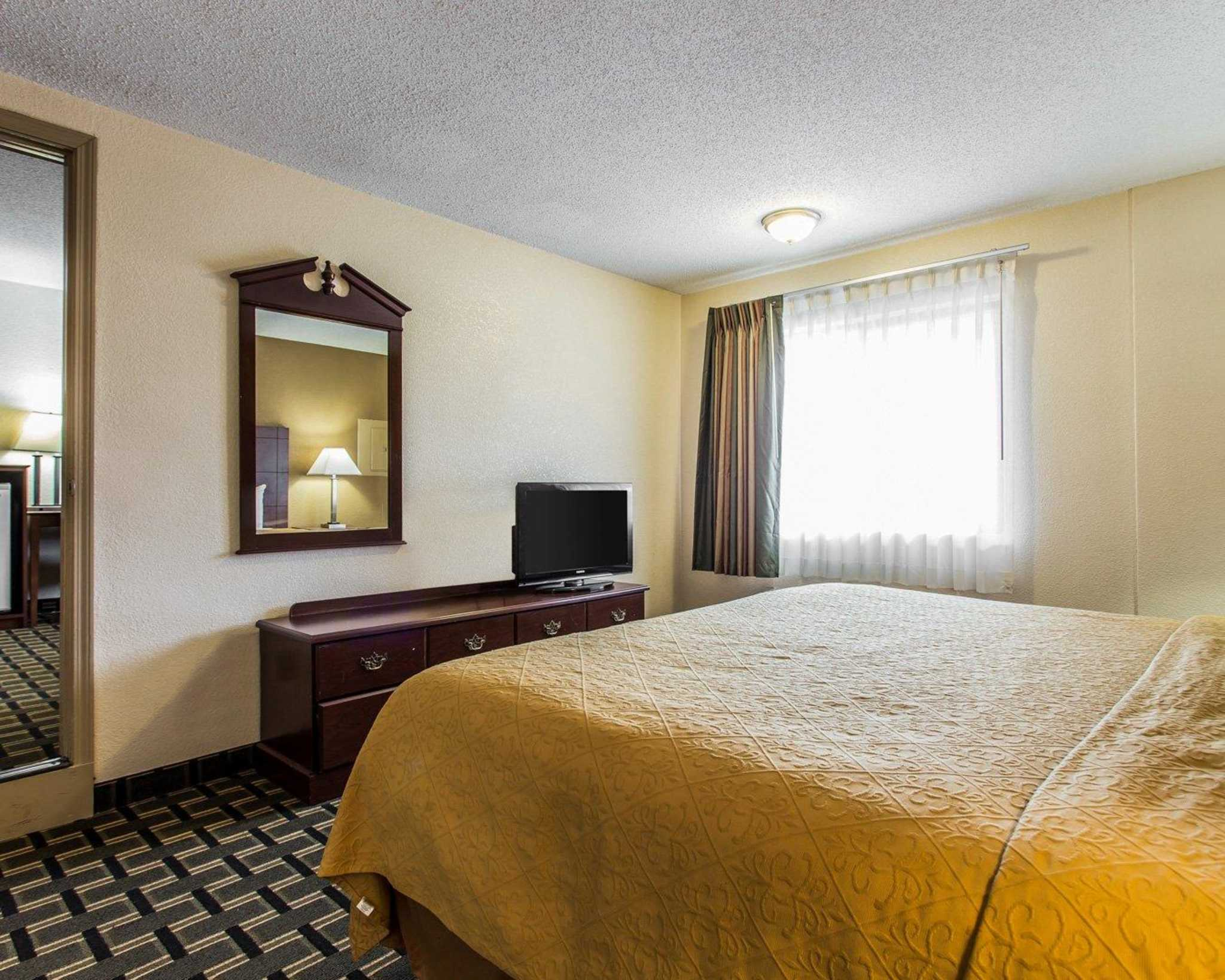 Quality Inn & Suites Southlake image 22