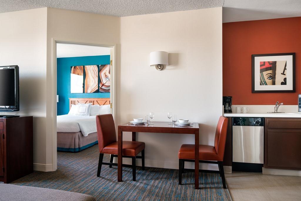 Residence Inn by Marriott Las Vegas Hughes Center image 9