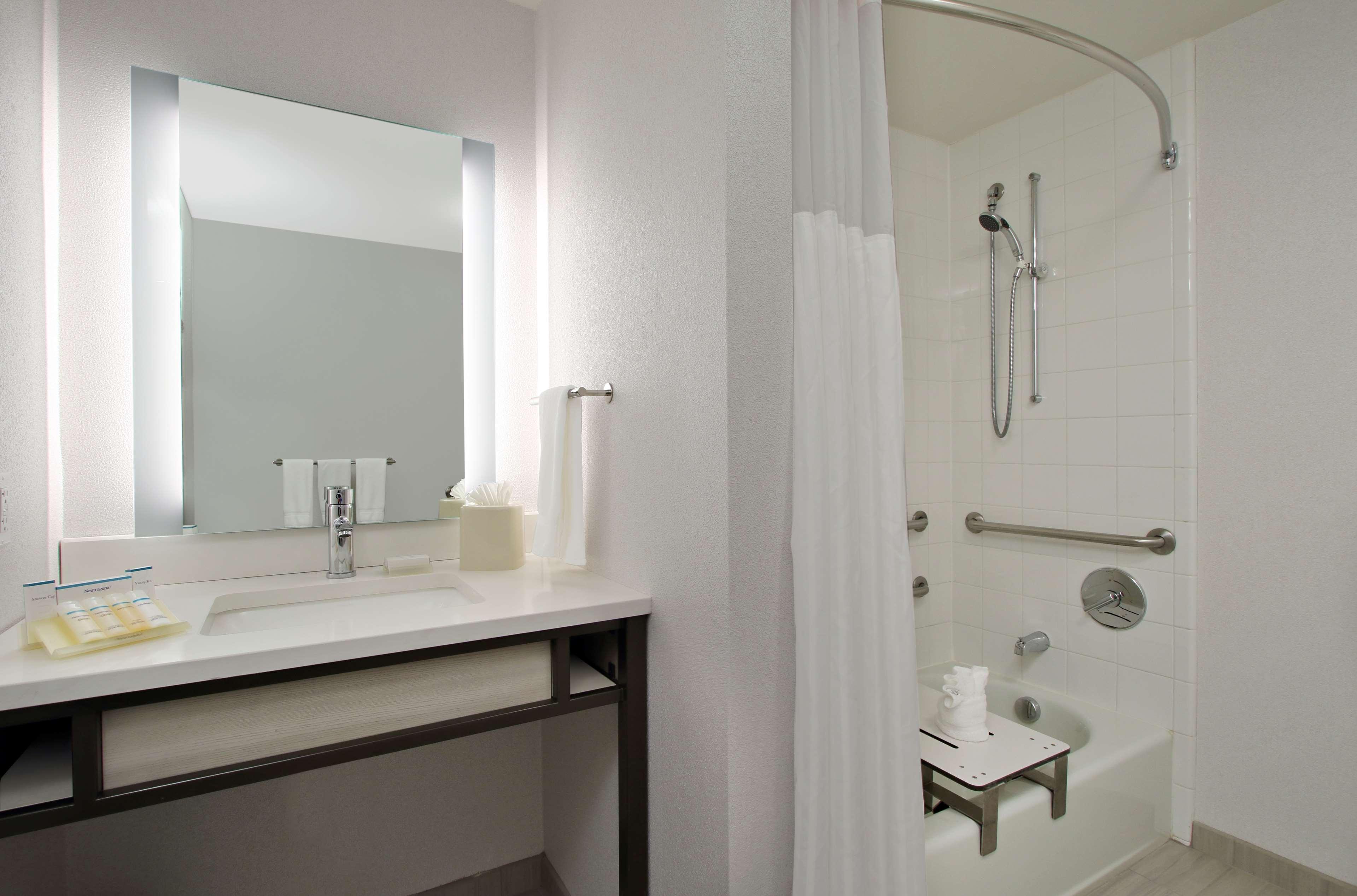 Hilton Garden Inn Columbus-University Area image 30