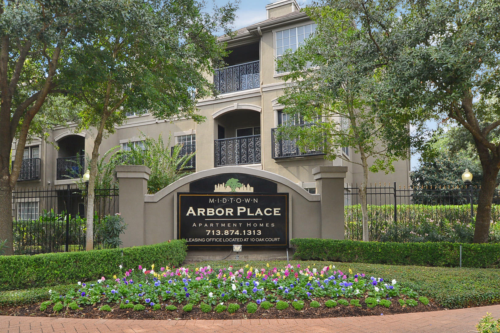 Midtown Arbor Place Apartments in Houston, TX image 9