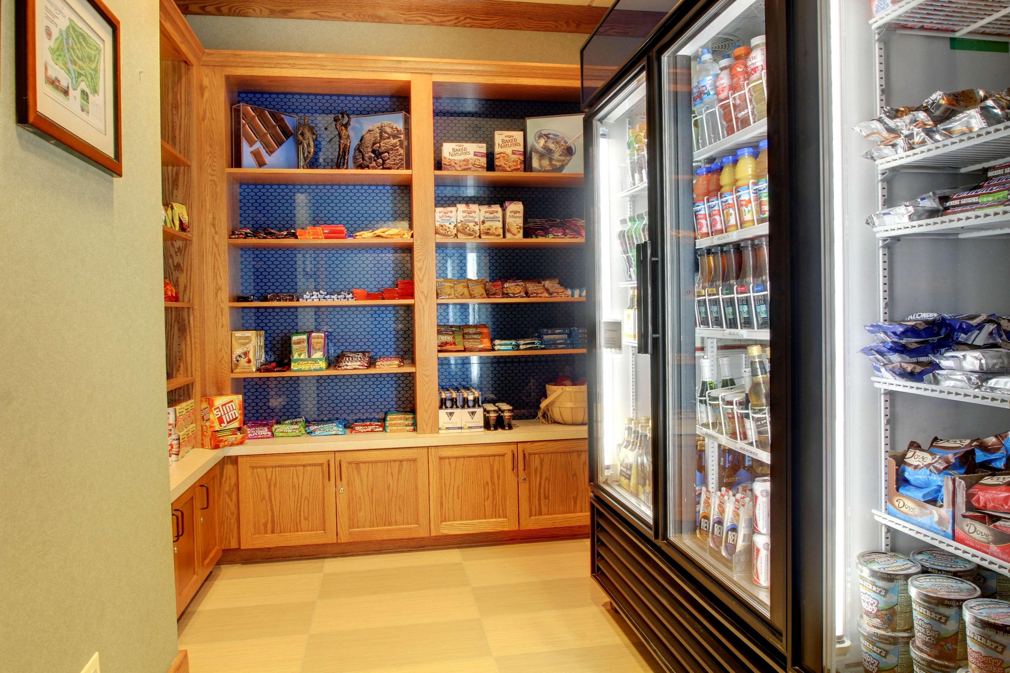 Hampton Inn & Suites Chicago/Aurora image 8