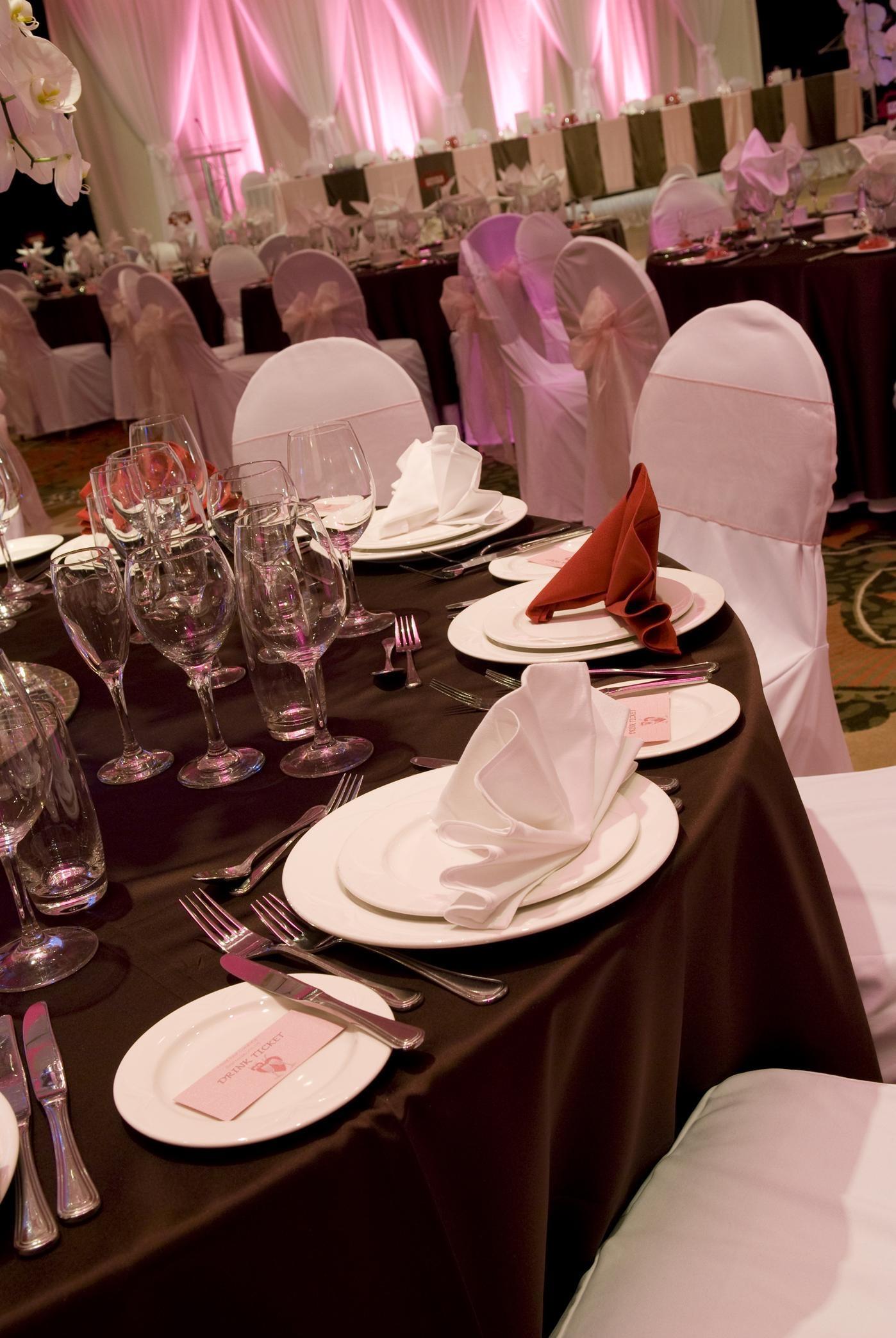 Hilton Vancouver Metrotown in Burnaby: Wedding Reception