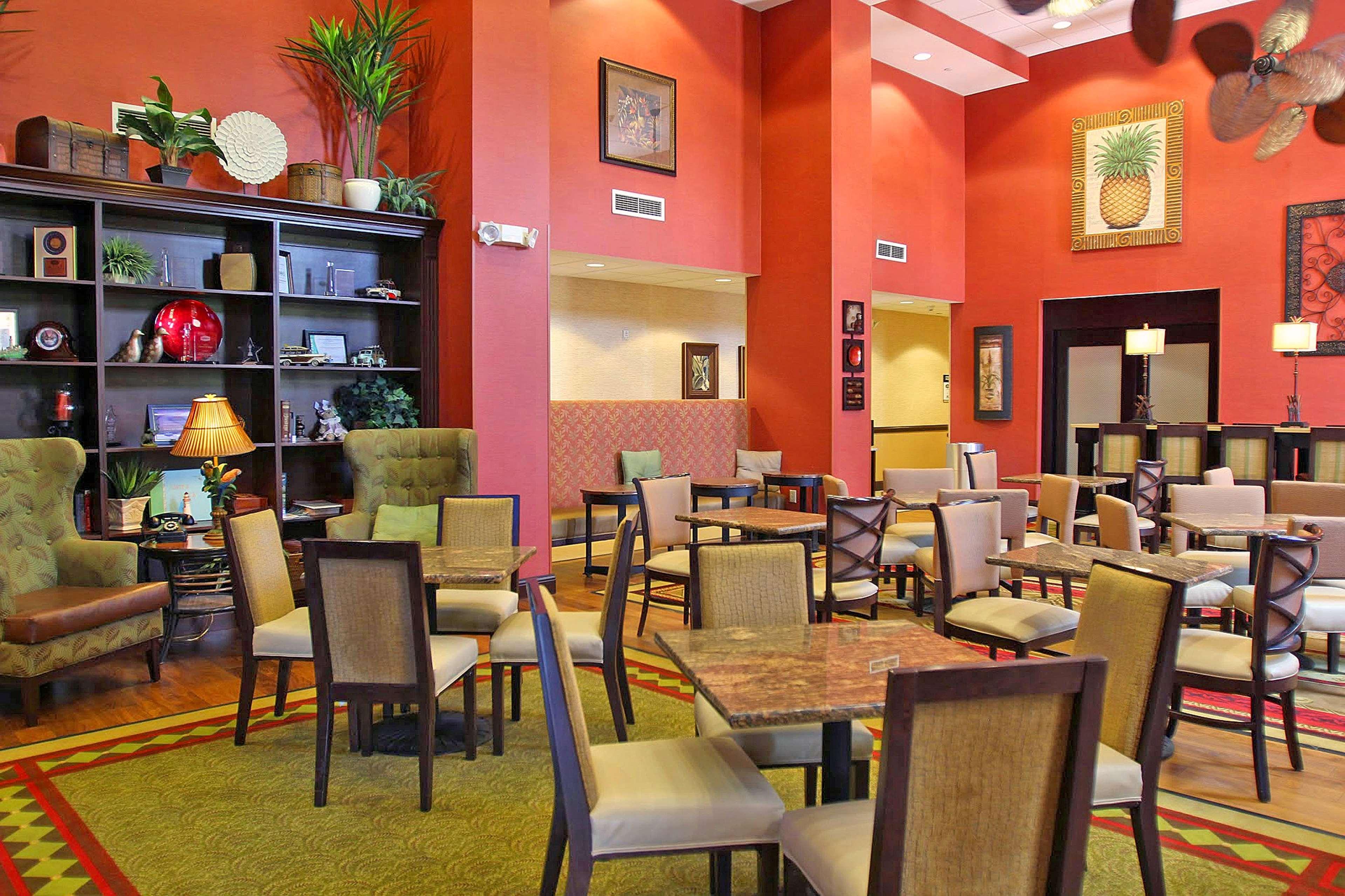 Hampton Inn & Suites Tampa-Wesley Chapel image 9