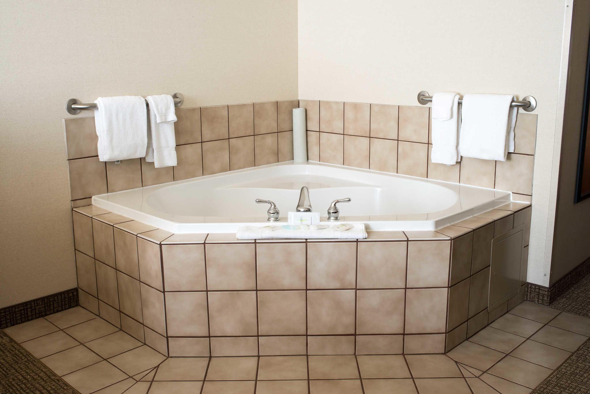 Comfort Suites image 11