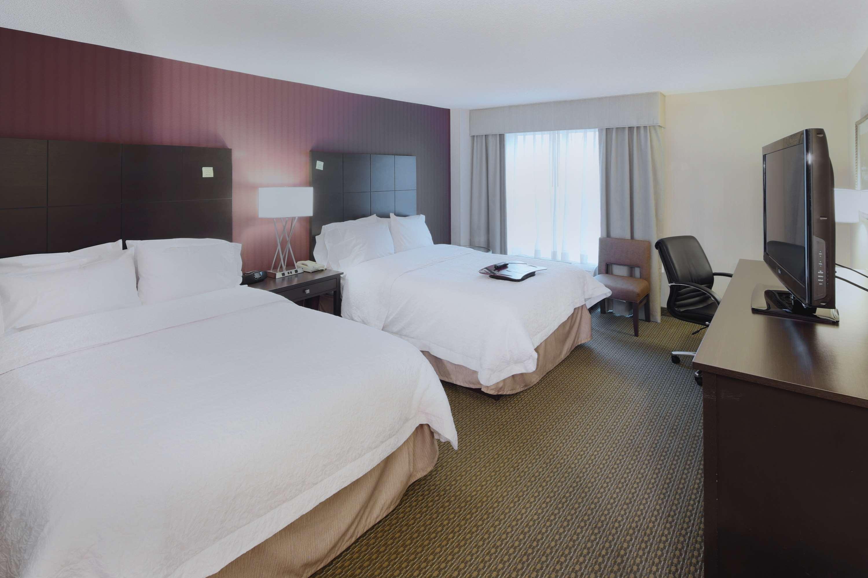 Hampton Inn & Suites Reagan National Airport image 18