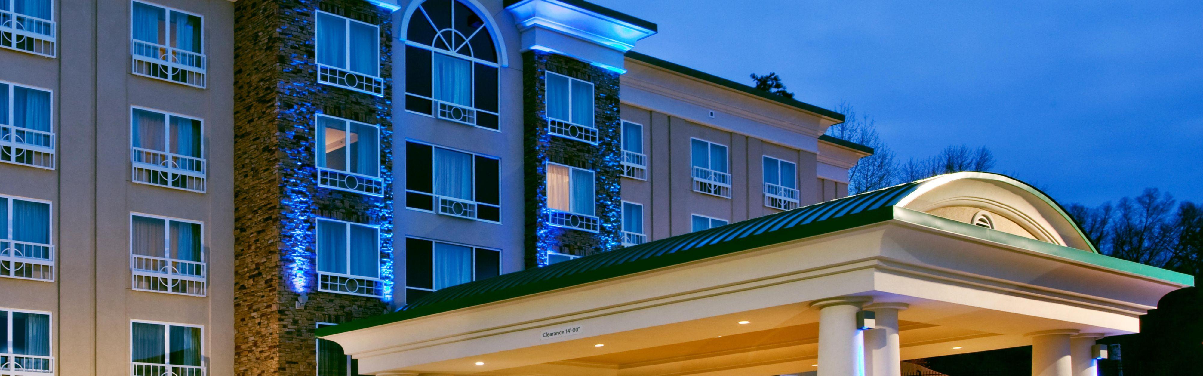 Holiday Inn Express & Suites Columbus-Fort Benning image 0