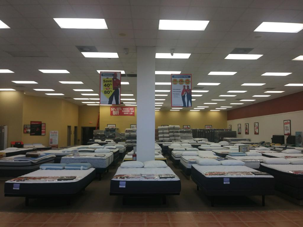 Mattress Firm Clearance - Closed image 5