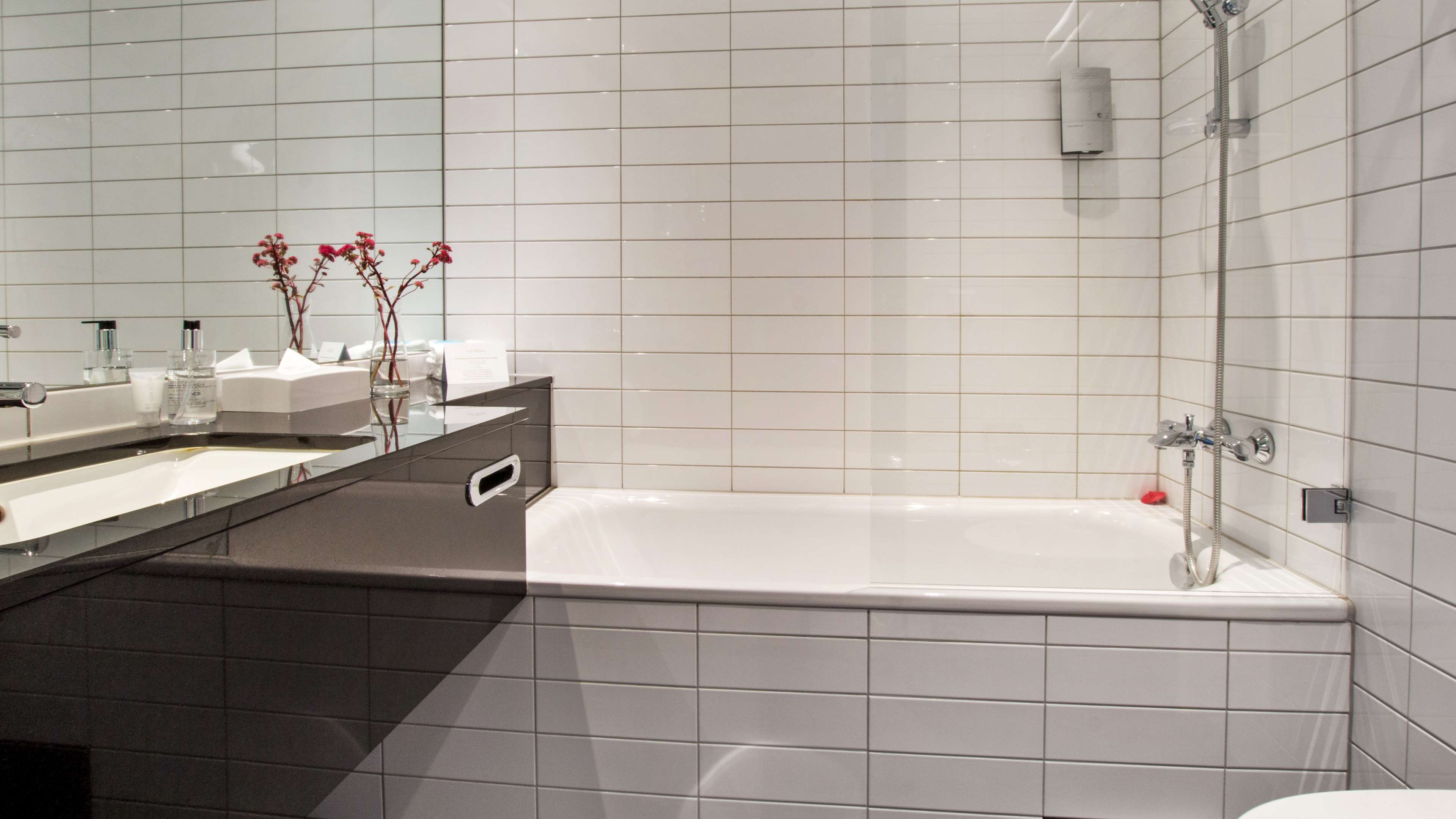 Standard Two Twin Bathroom
