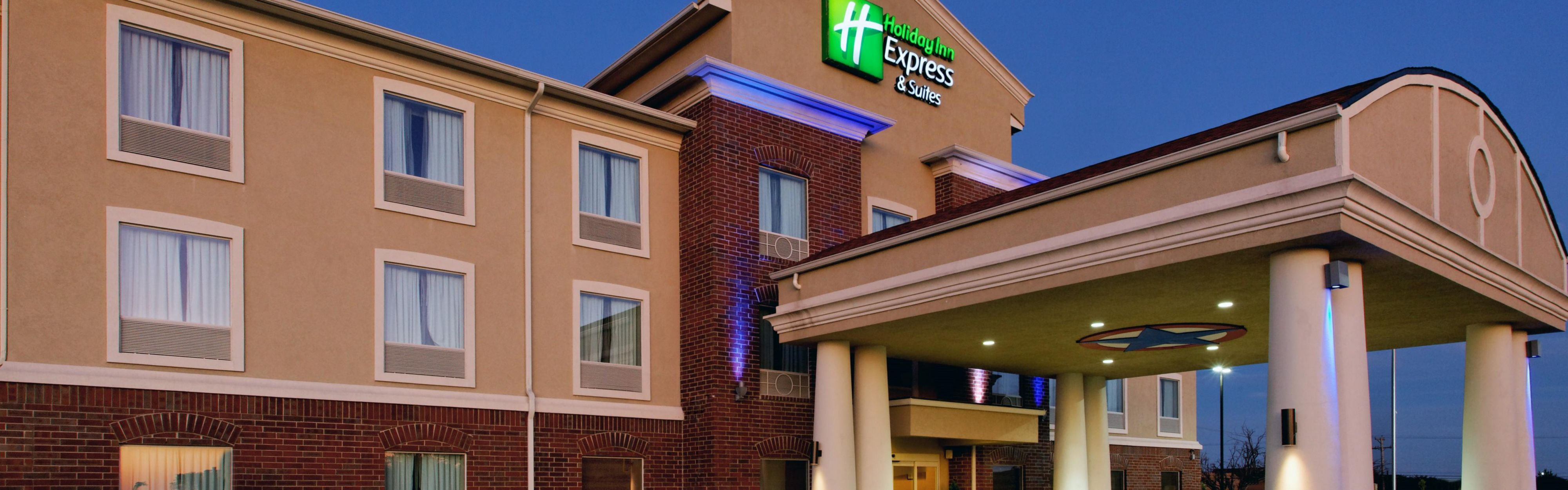 Holiday Inn Express & Suites Cleburne image 0
