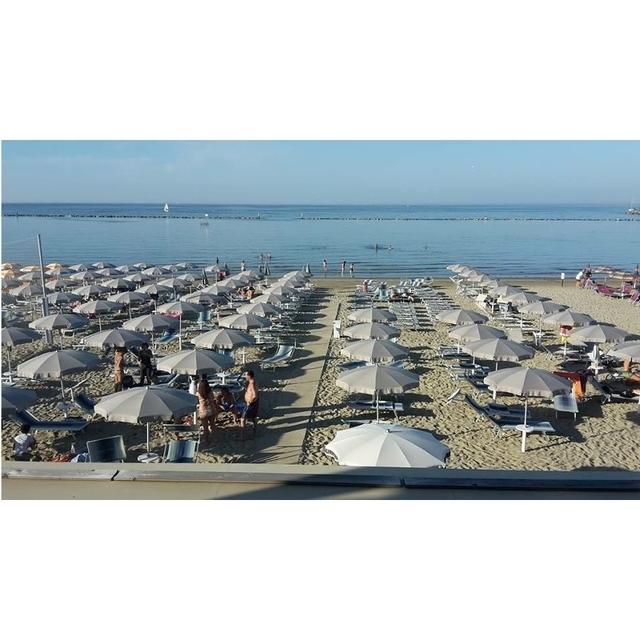 Bagno belvedere 78 turismo luoghi percorsi e for Bagno 78 rimini