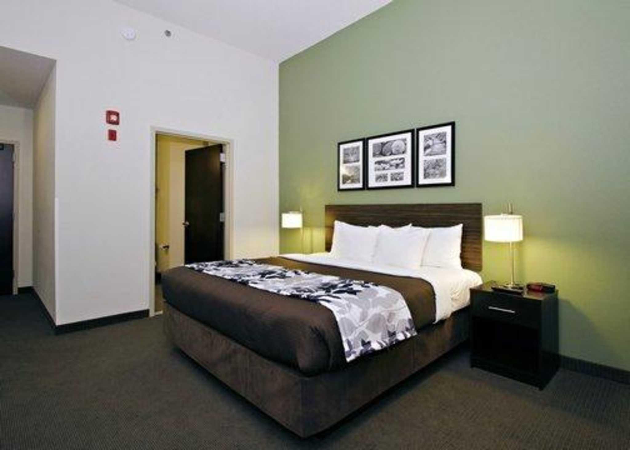 Sleep Inn & Suites Downtown Inner Harbor image 7