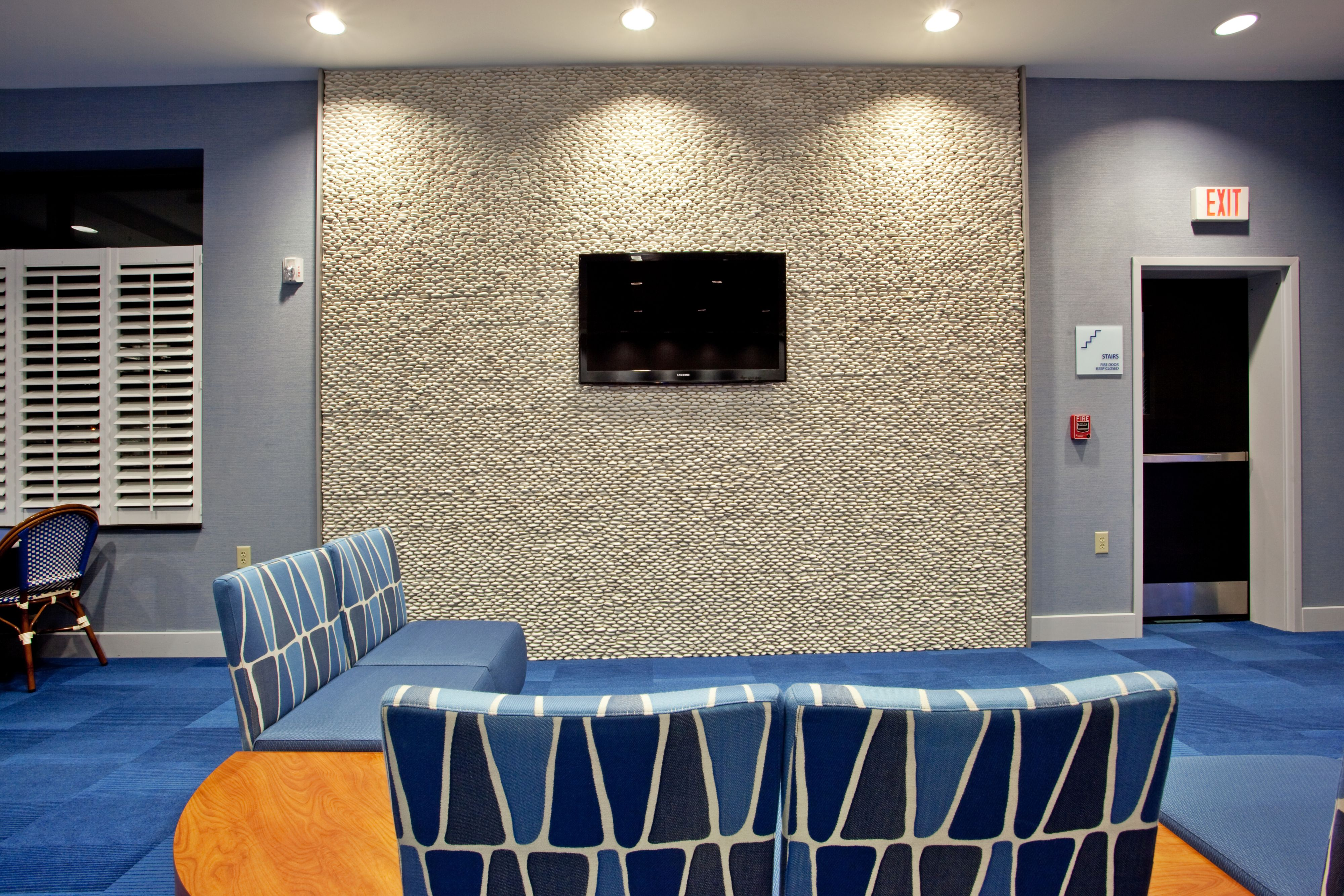 Holiday Inn Express & Suites Norfolk Airport image 6