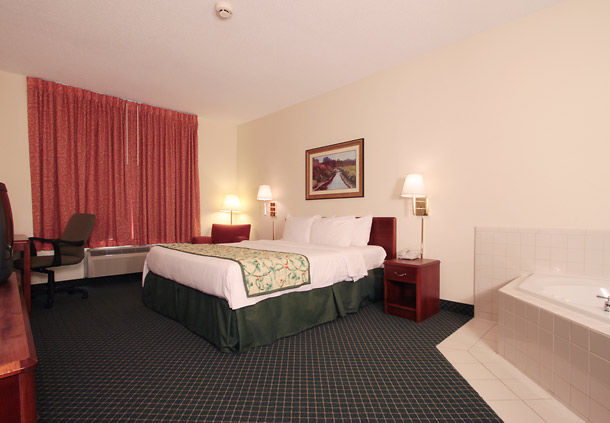 Fairfield Inn & Suites by Marriott Louisville North image 4