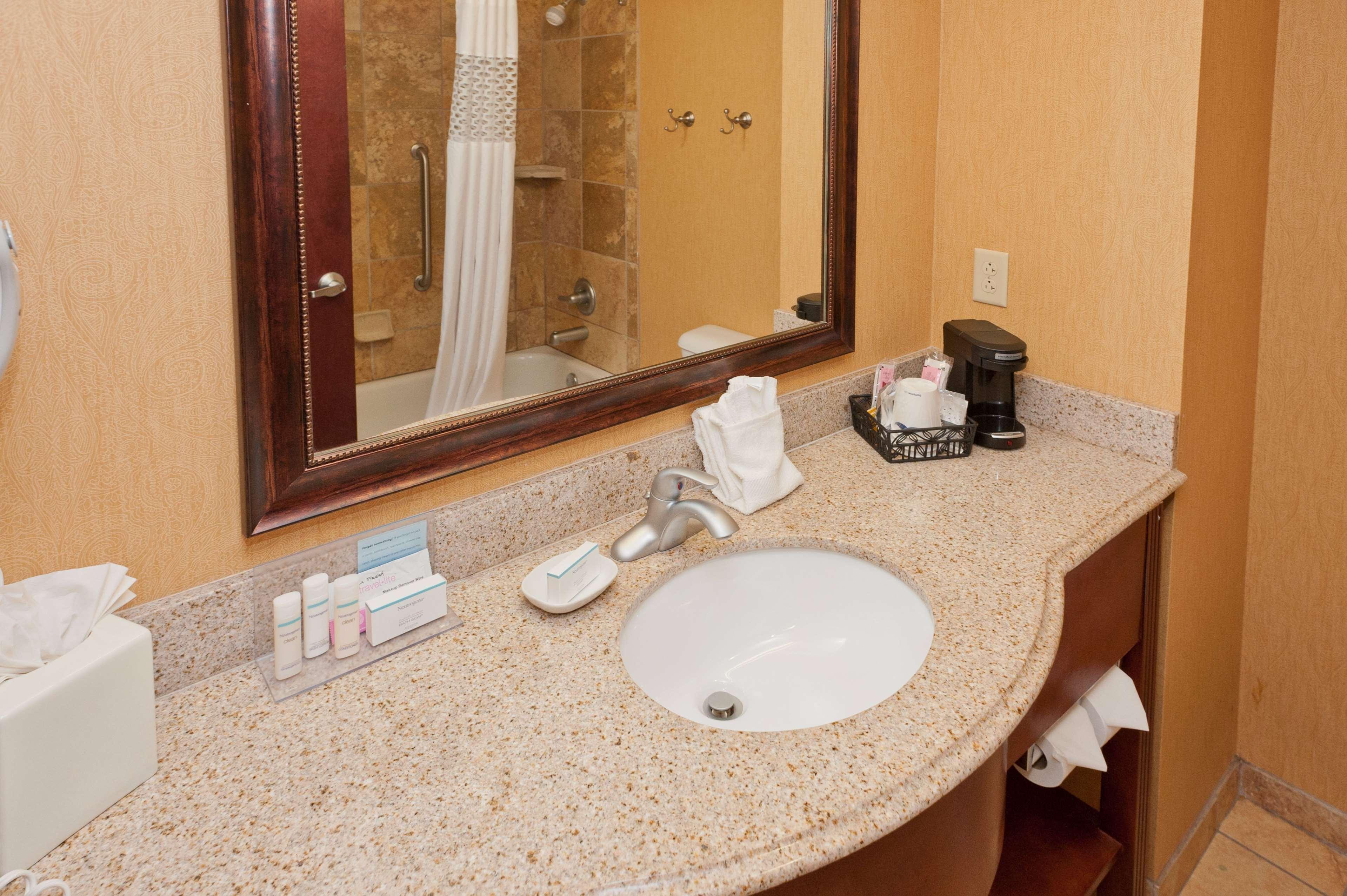 Hampton Inn & Suites Thibodaux image 10