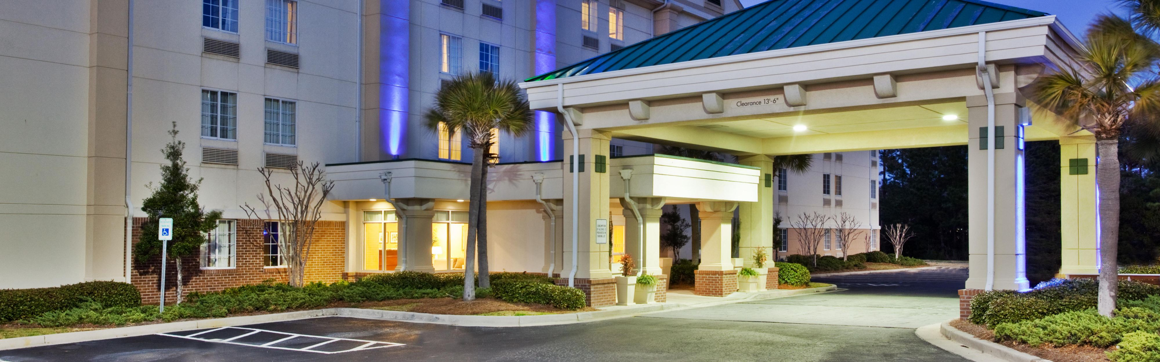 Holiday Inn Express Myrtle Beach-Broadway@The Bch image 0