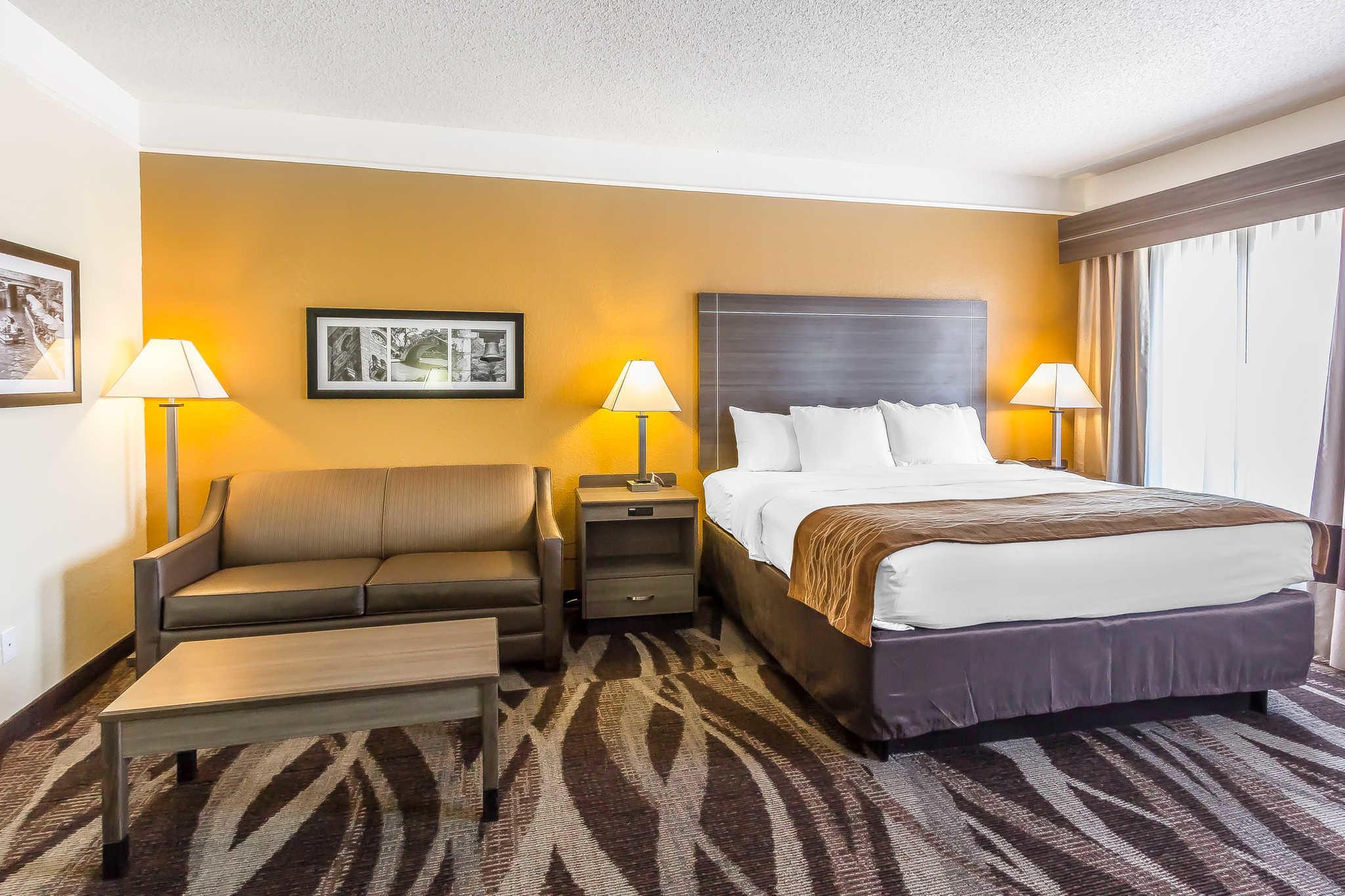 Comfort Inn I-10 EAST Near AT&T Center image 12