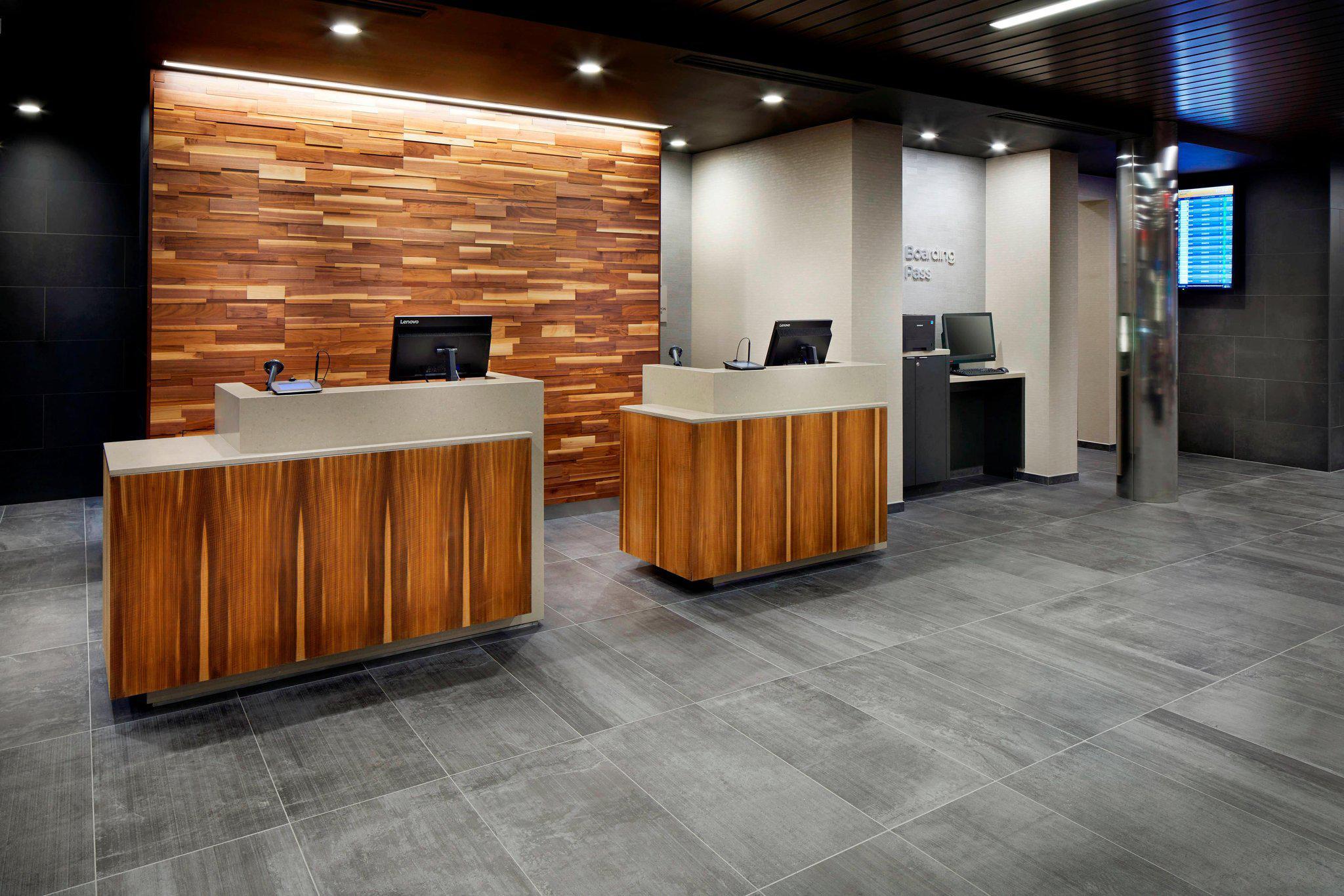 Courtyard by Marriott Houston Intercontinental Airport