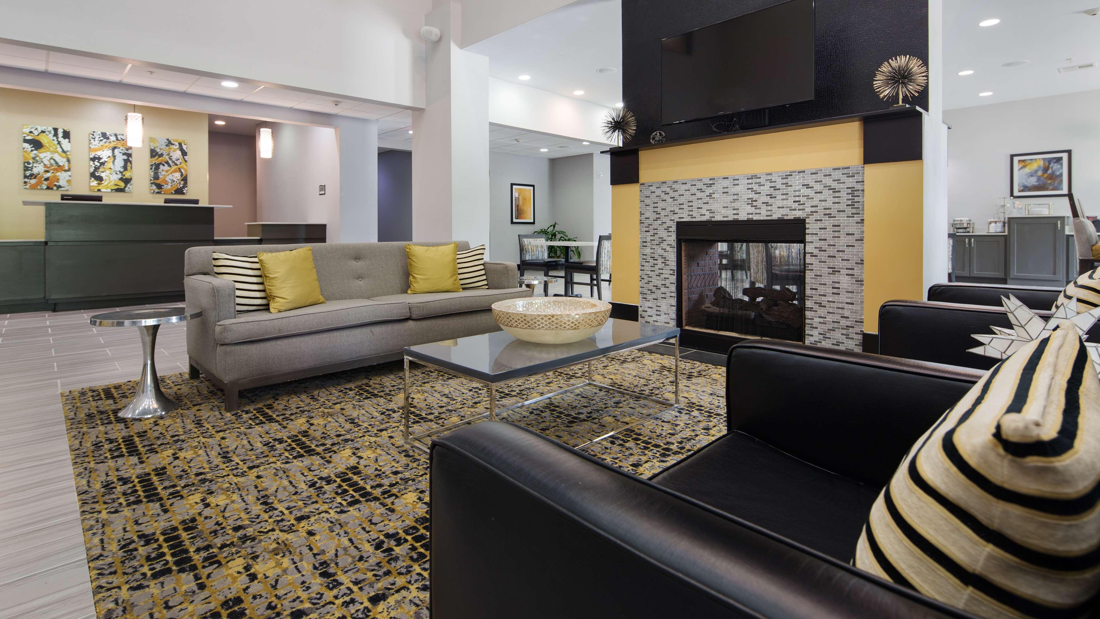 Best Western Plus Regency Park Hotel image 11