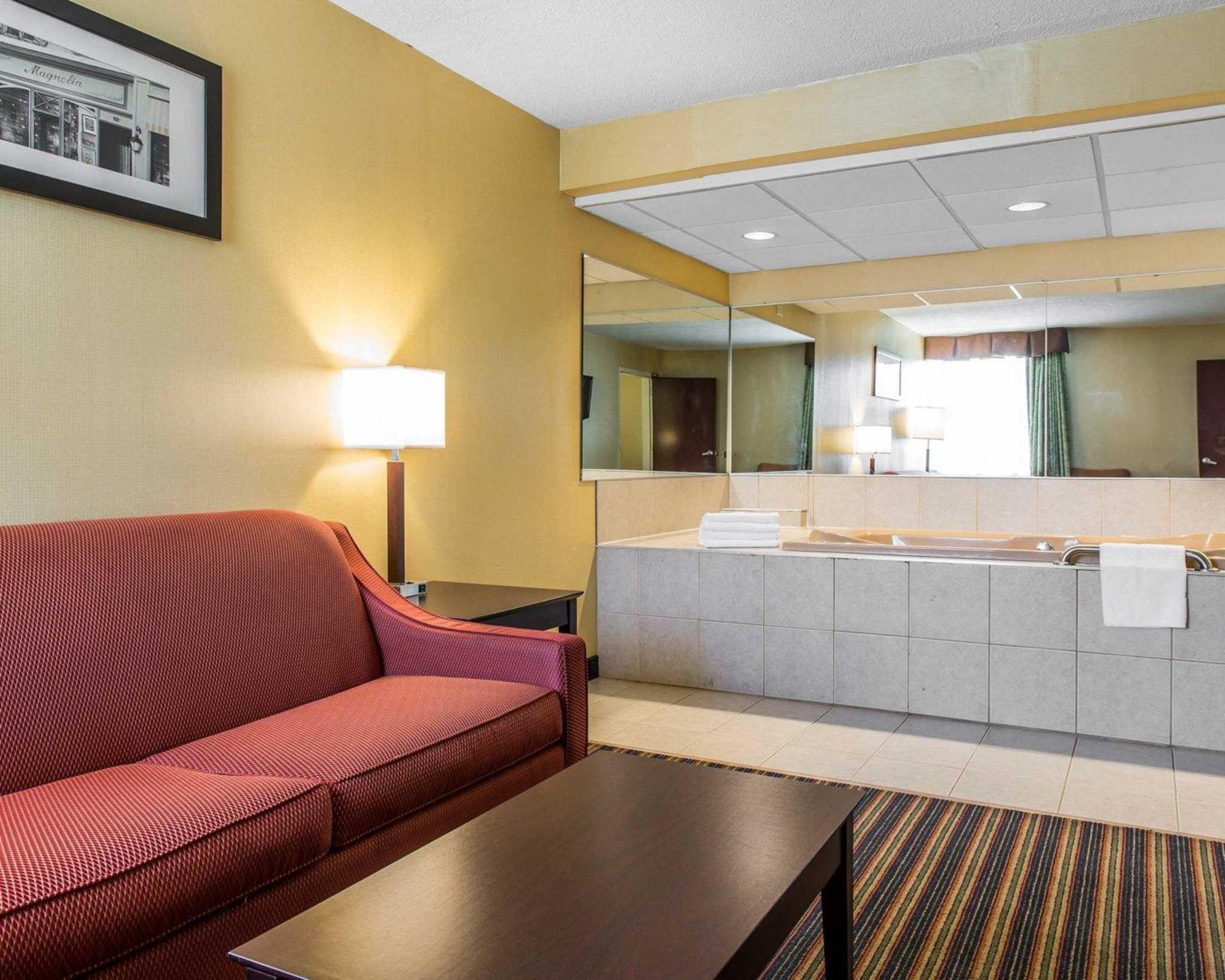 Comfort Inn & Suites East Hartford - Hartford image 21