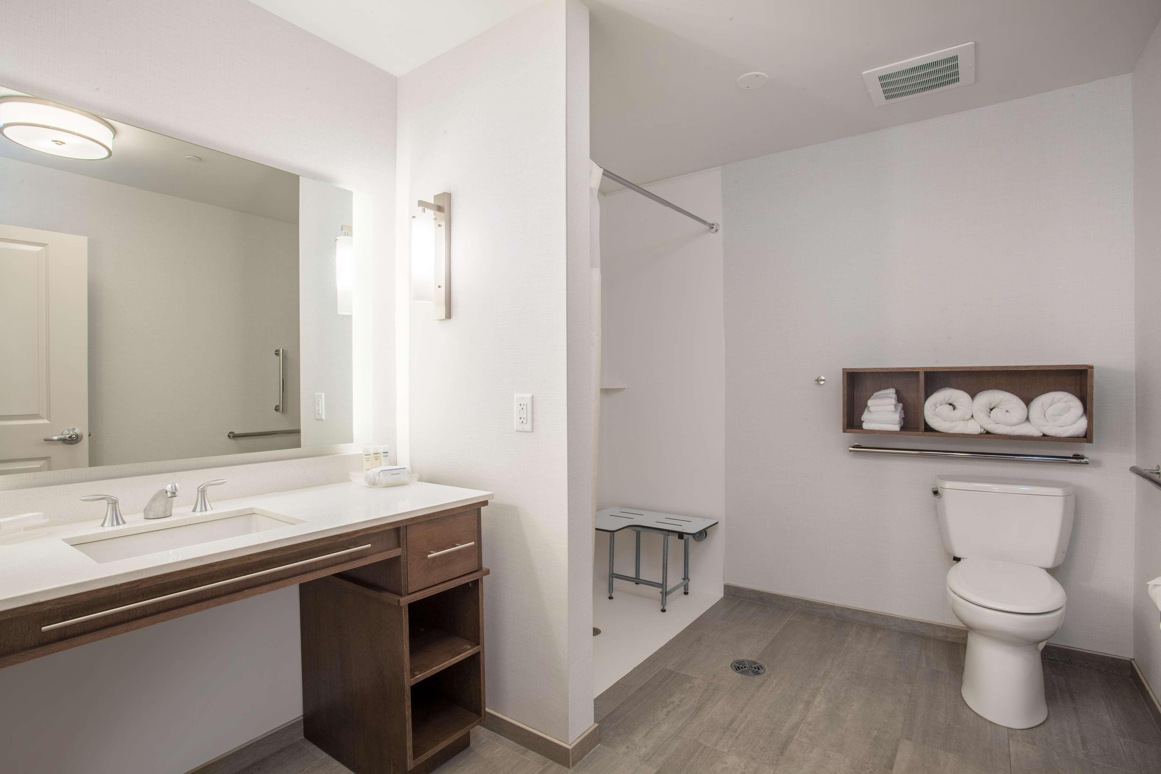 Homewood Suites by Hilton Saratoga Springs image 39