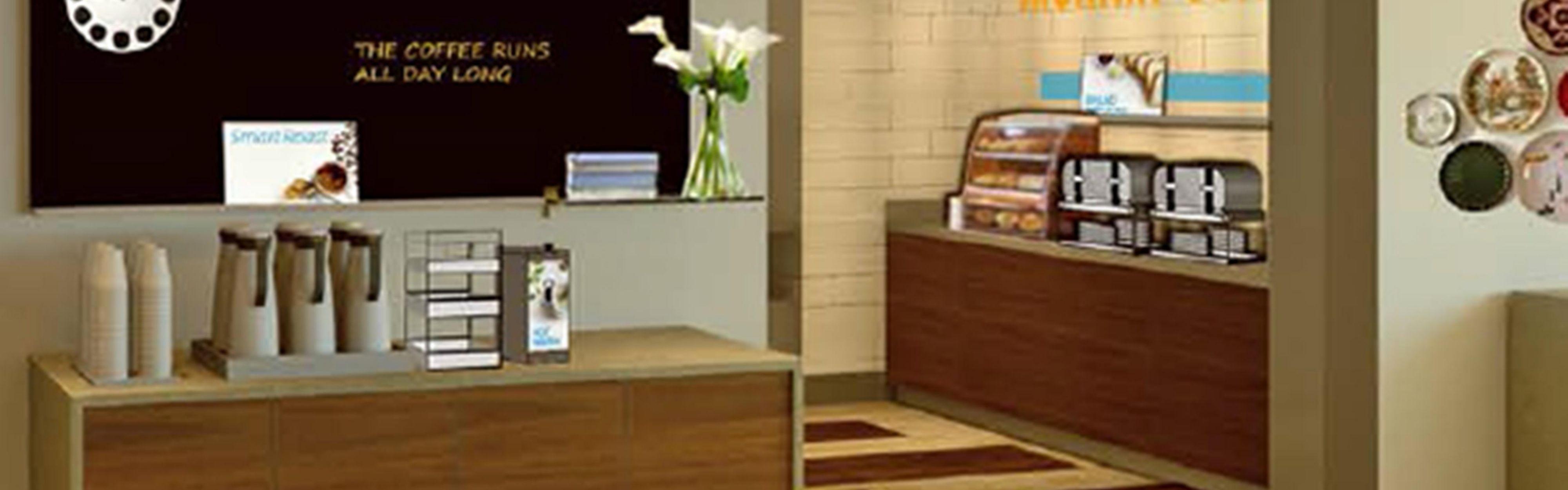 Holiday Inn Express & Suites Camarillo image 2
