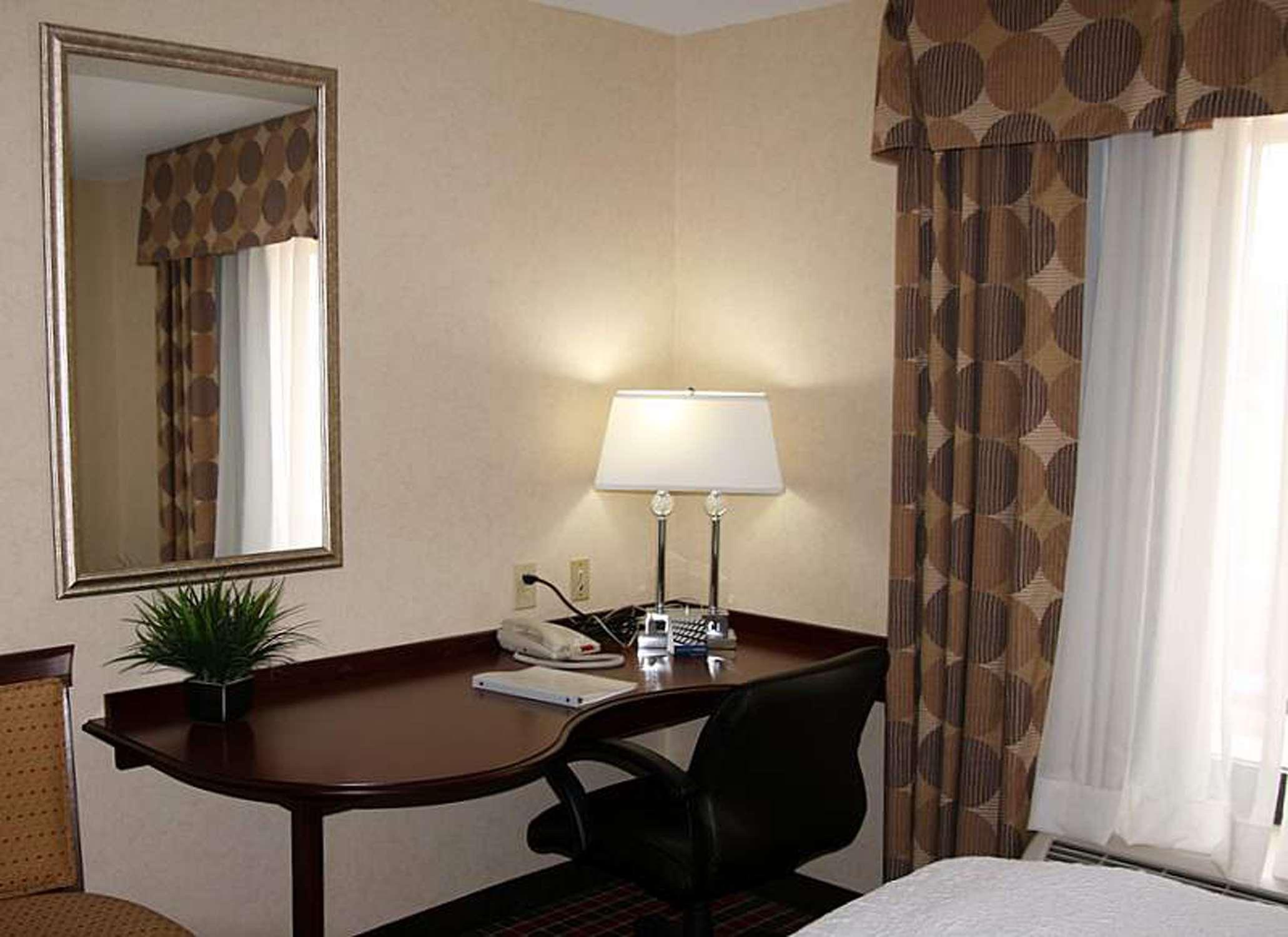 Hampton Inn & Suites Dayton-Airport image 32