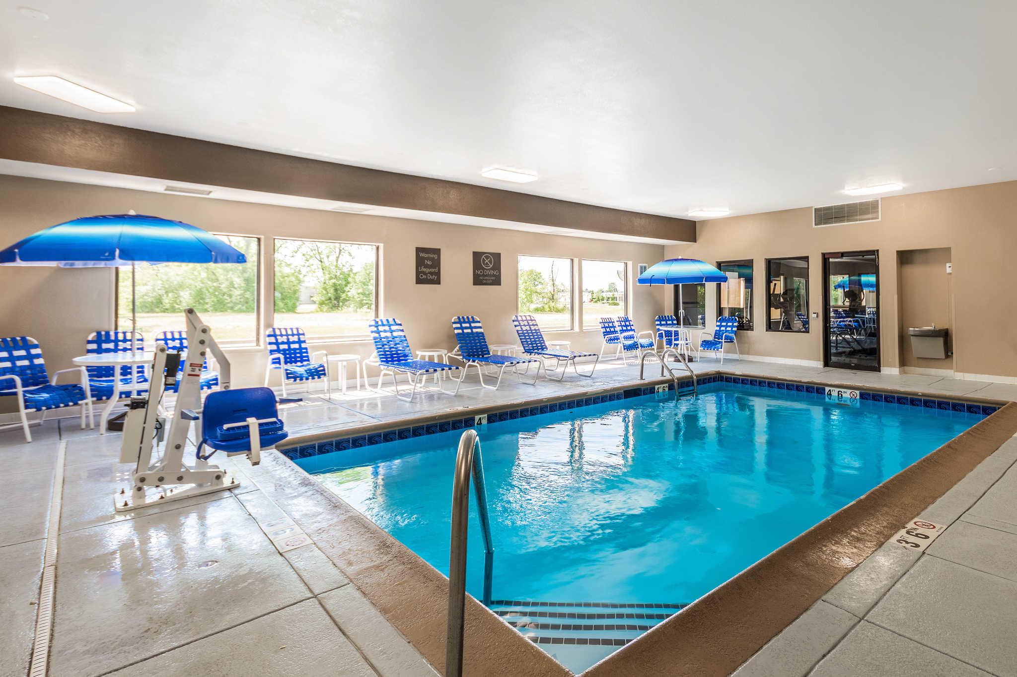 Comfort Inn & Suites North Aurora - Naperville image 34