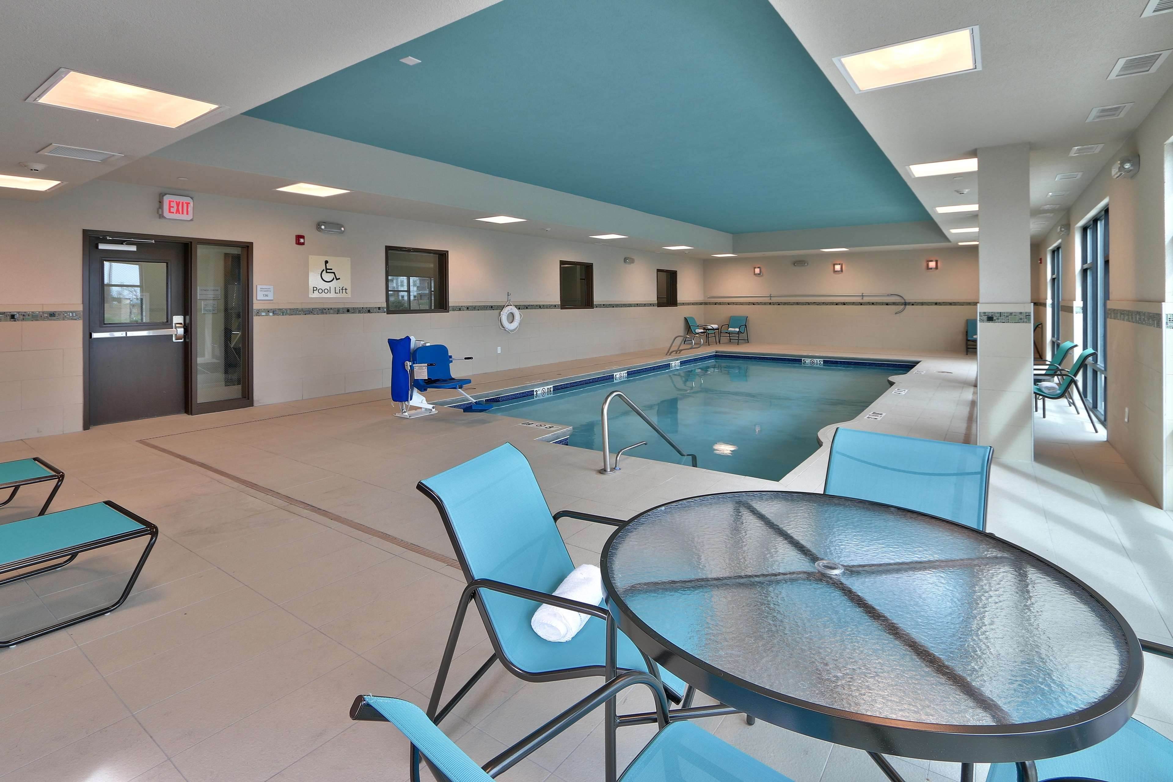 Hampton Inn & Suites Artesia image 24