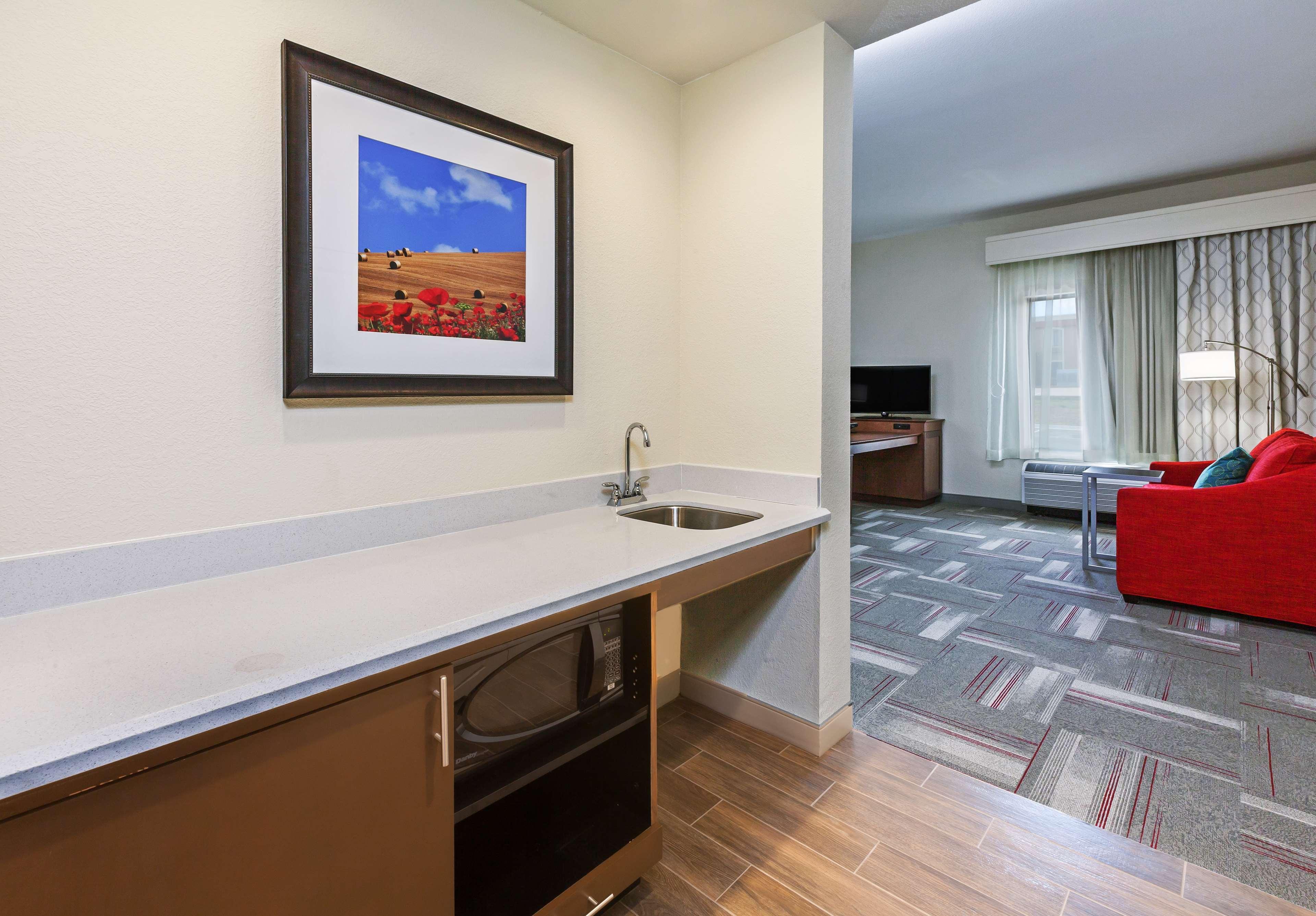 Hampton Inn & Suites Claremore image 24