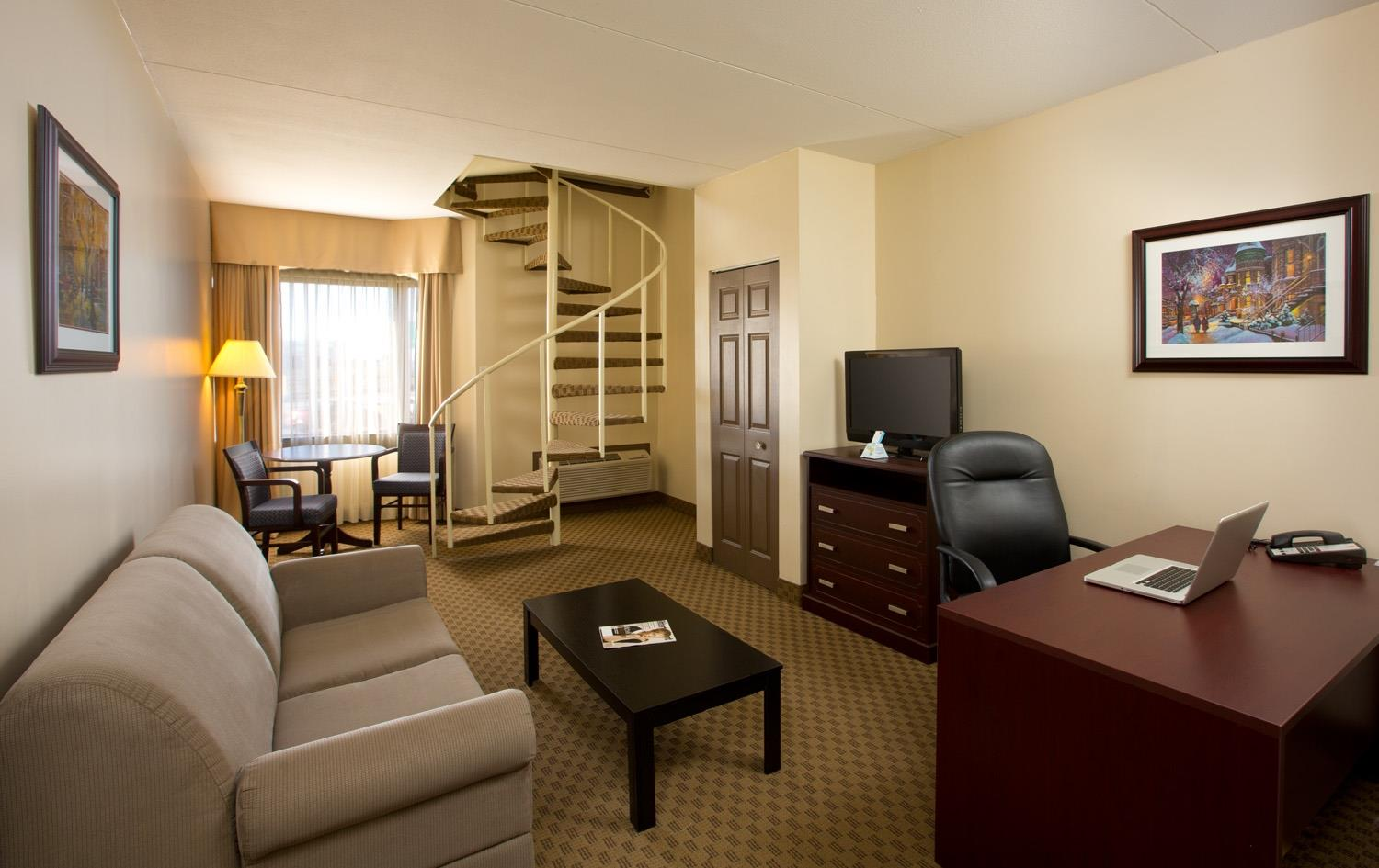 Best Western Laval-Montreal à Laval: Second Floor Suite King
