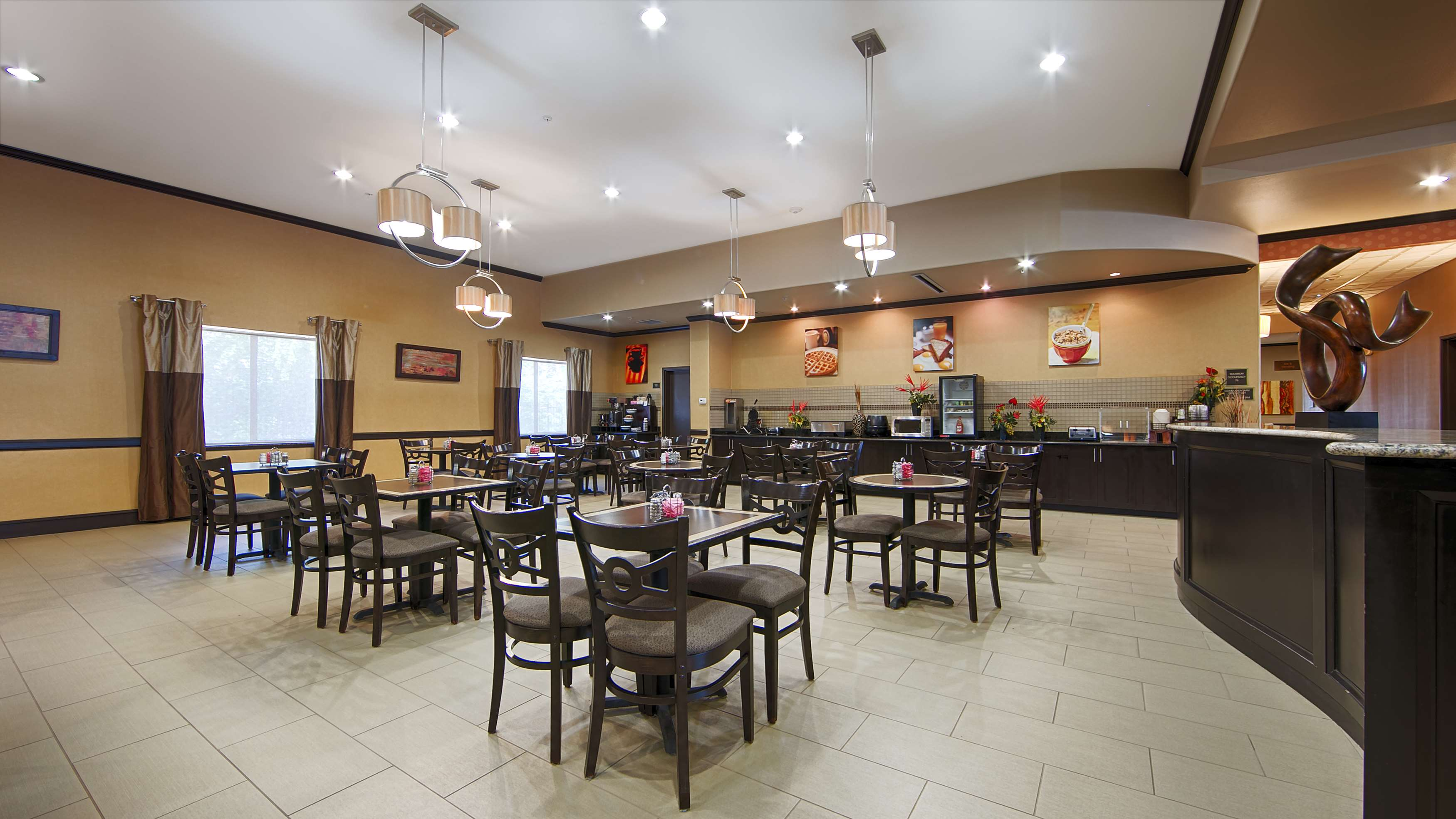 Best Western Plus Texoma Hotel & Suites image 33