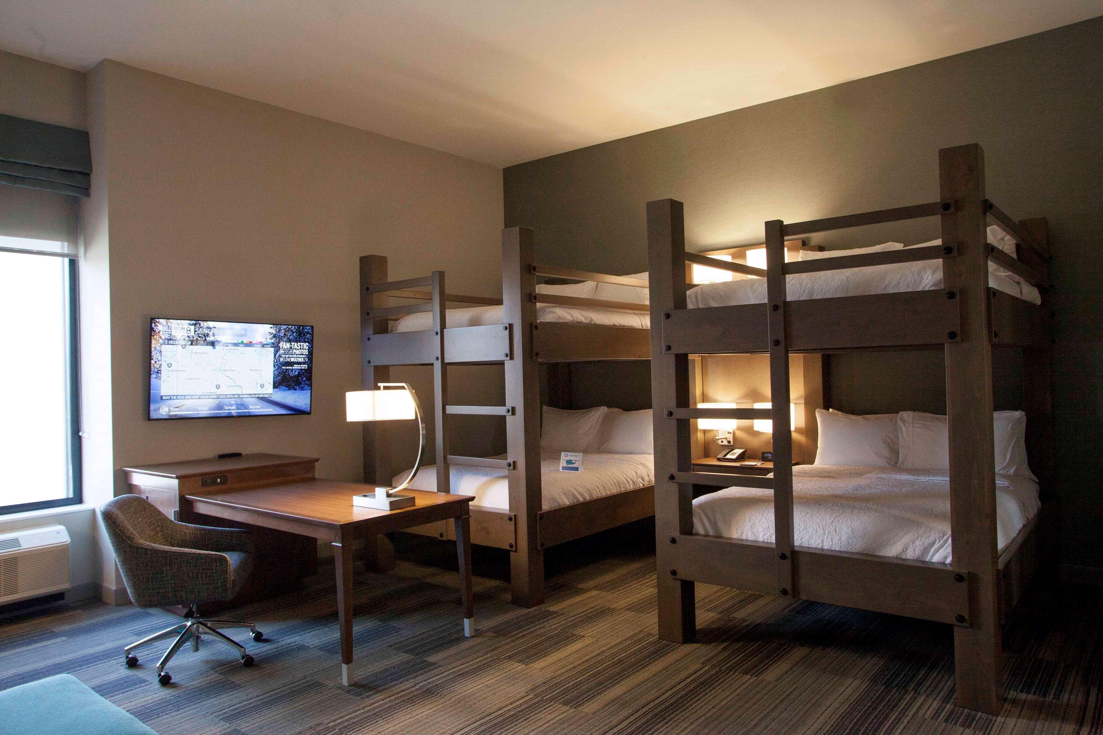 Hampton Inn & Suites Downtown St. Paul image 22