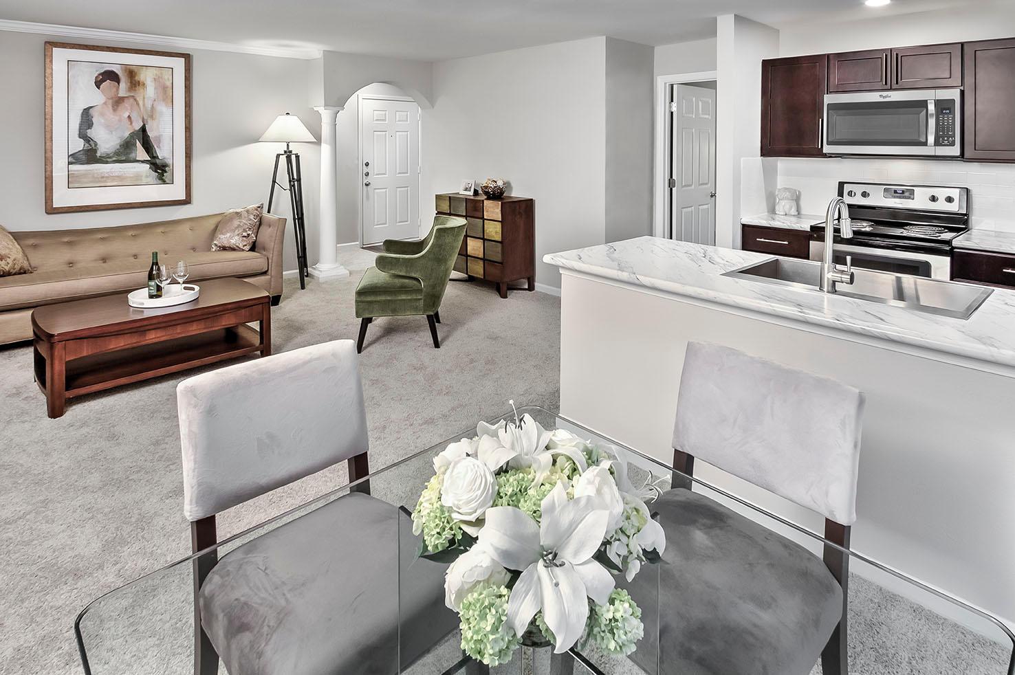Camden Lake Pine Apartments image 5