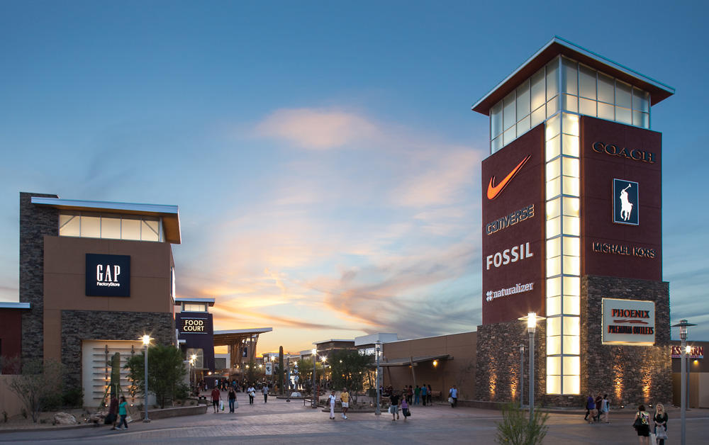 Find all of the stores, dining and entertainment options located at Phoenix Premium Outlets®.