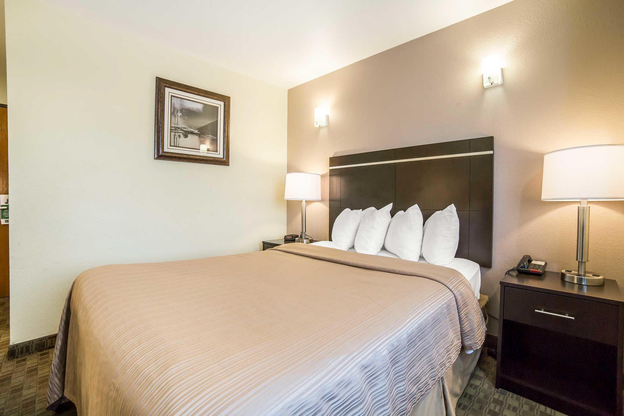 Quality Inn & Suites Elko image 3