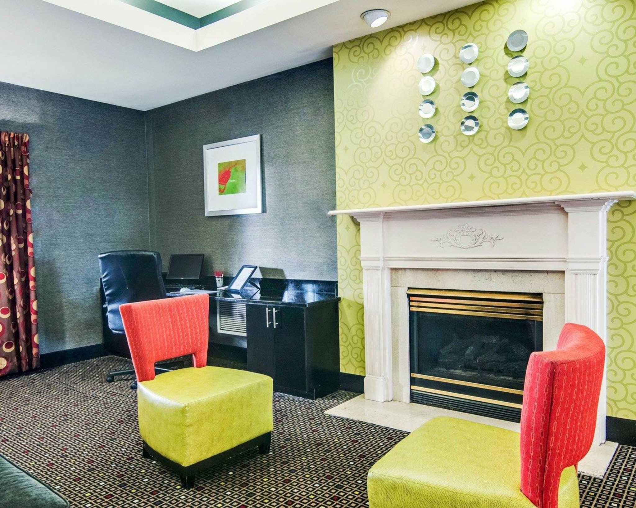 Comfort Suites Inn at Ridgewood Farm image 13
