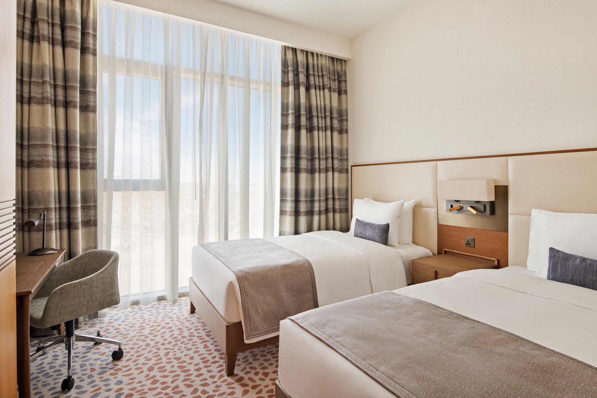 Staybridge Suites Dubai Al-Maktoum Airport